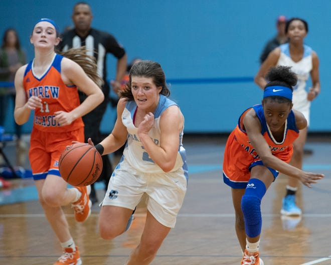 Christ Church Episcopal School's Emmy Dickerson (2) controls the ball during the game against Andrew Jackson High School played at Christ Church Episcopal School Friday, Feb. 15, 2019.