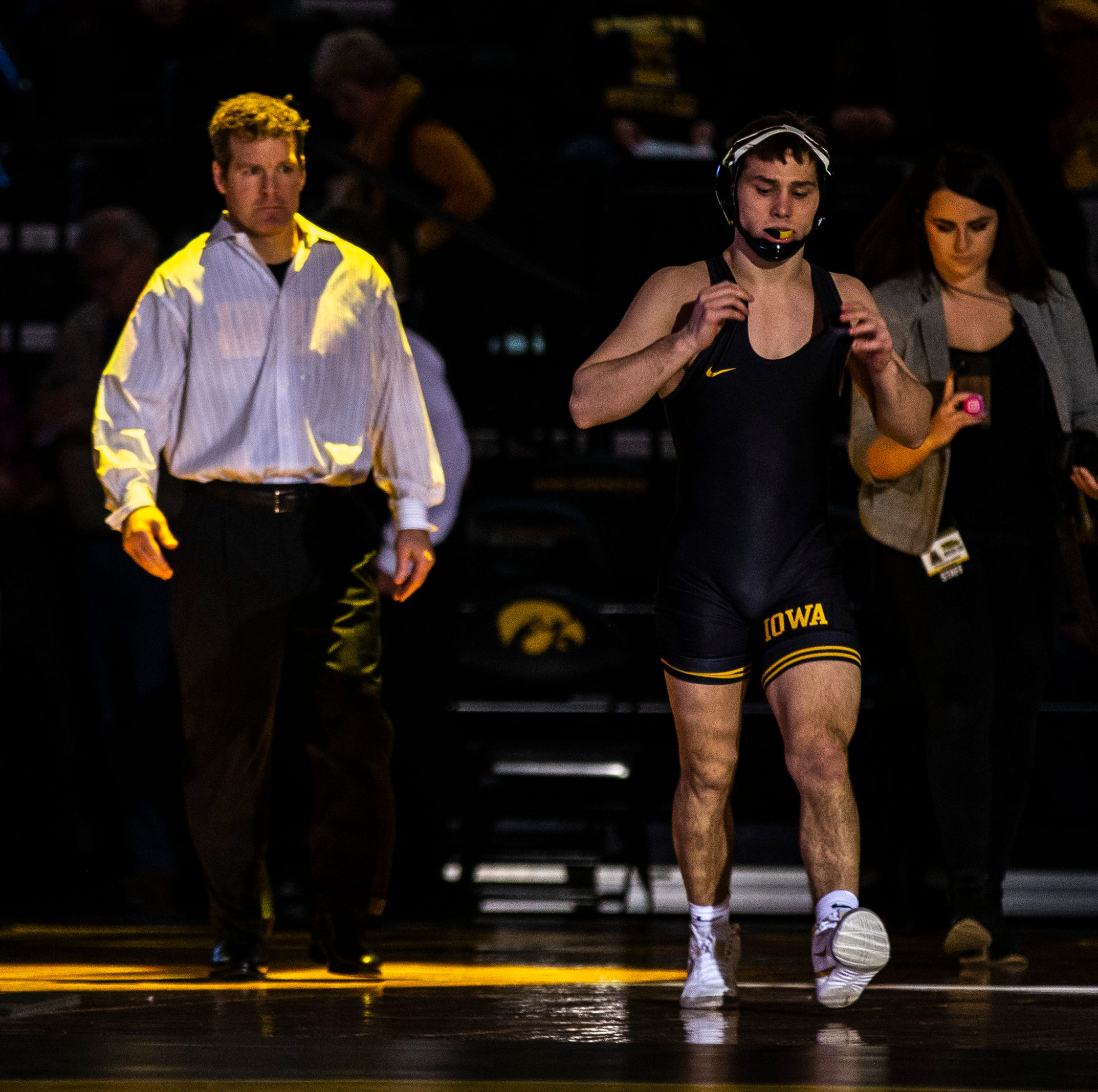 Leistikow: Season-defining 28 days are here for Hawkeye wrestling