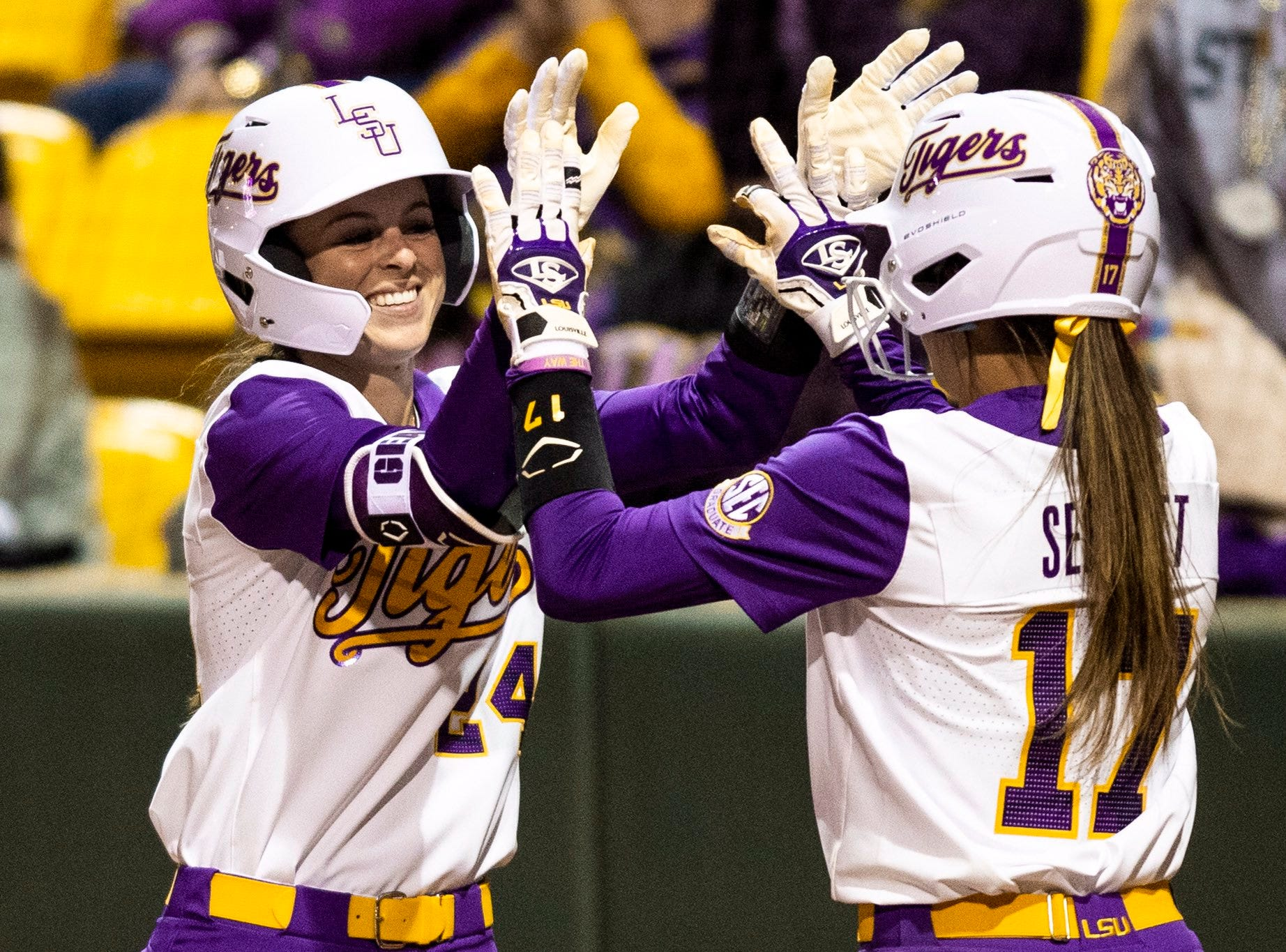 See the LSU softball catch that made ESPN SportsCenter's Top 10