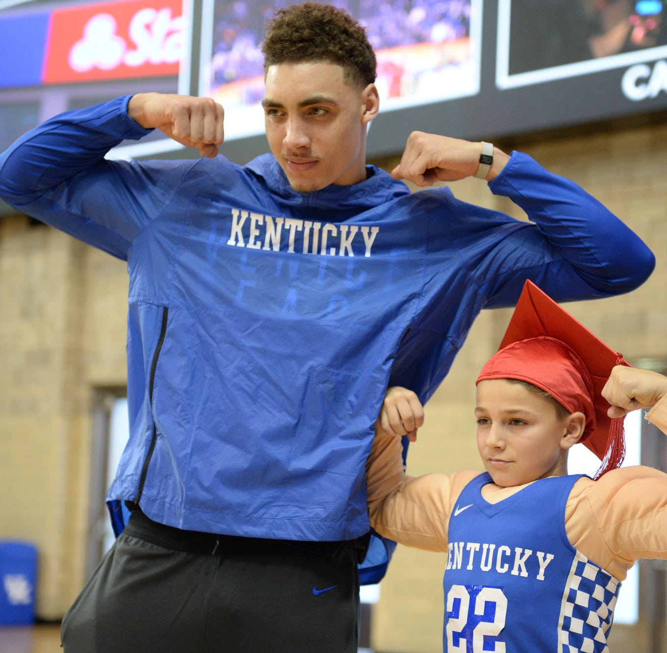 Kentucky's Reid Travis will miss at least two weeks with knee injury