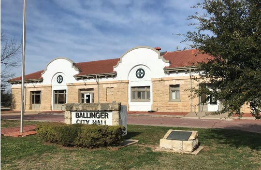 Ballinger City Hall is located at 700 Railroad Avenue.