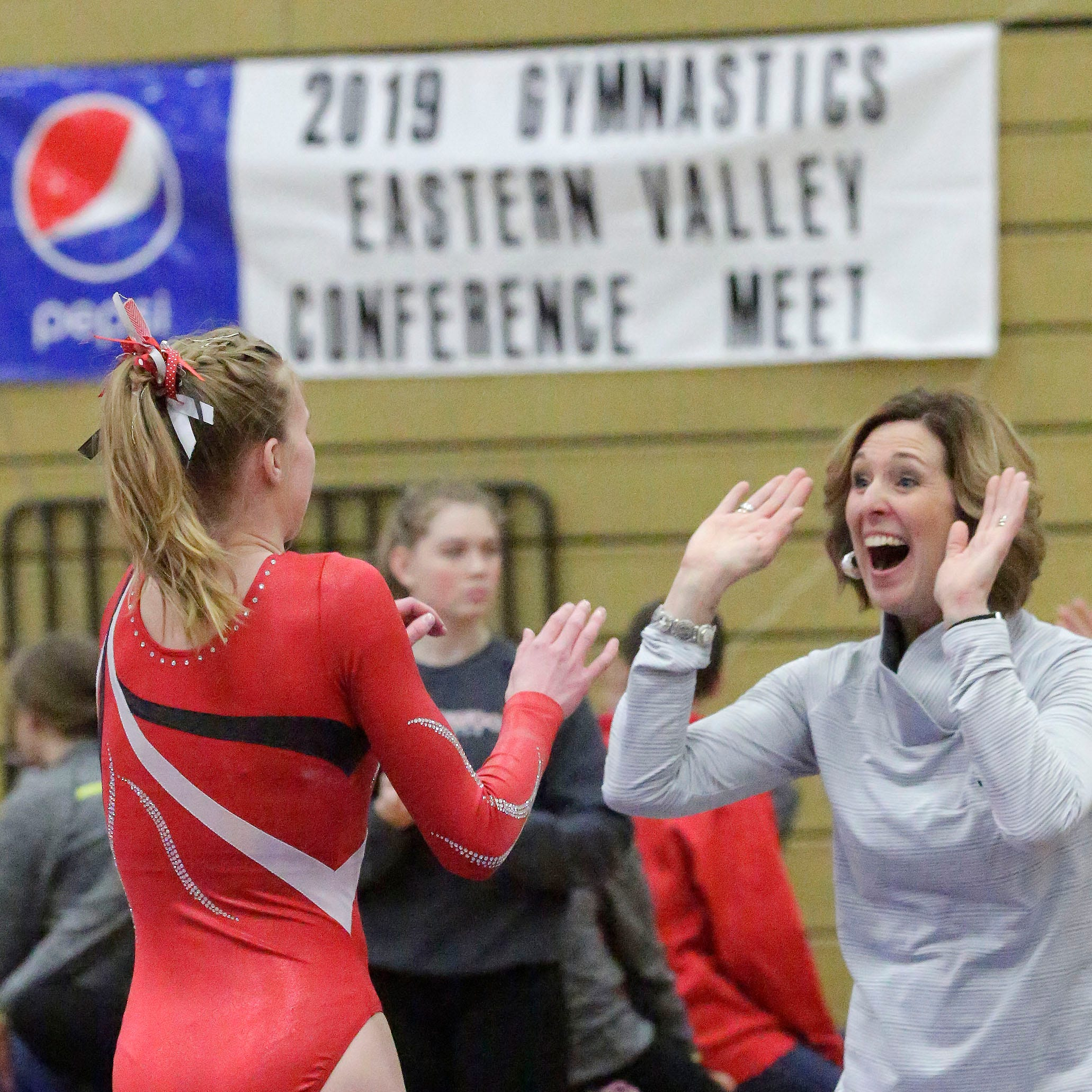 Manitowoc Lincoln gymnastics, held together by 'bubble gum and duct tape' wins 4th straight EVC title