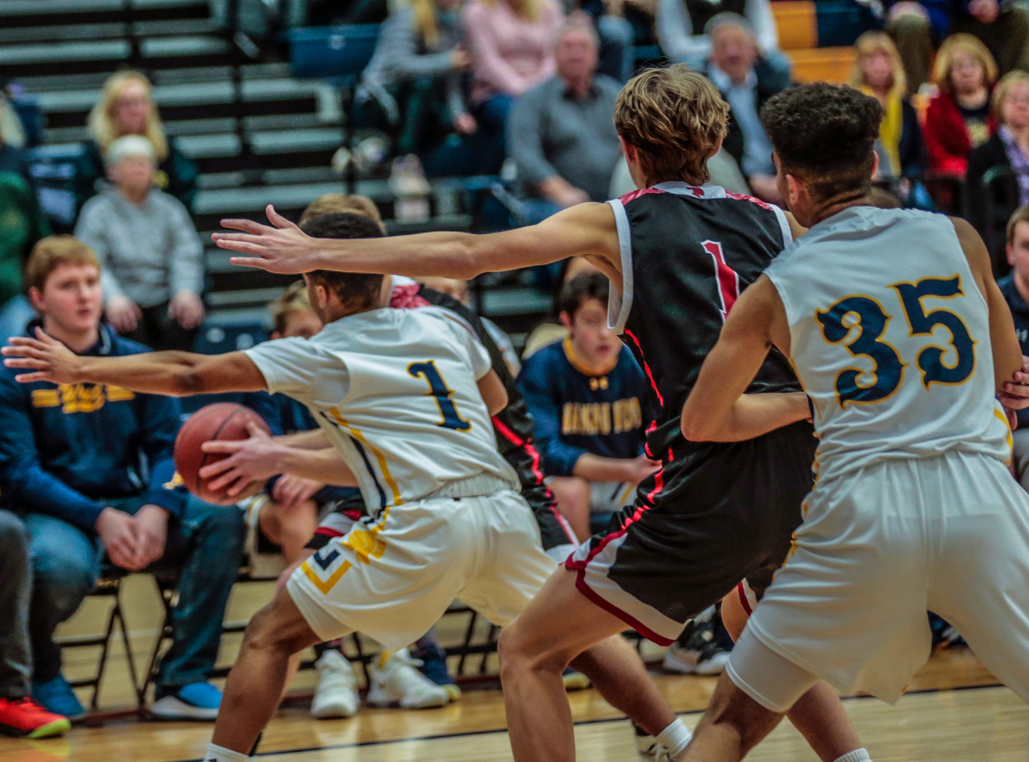 West hosted SPASH boys on Wisconsin Valley Conference boys basketball game Friday, Feb. 15, 2019, at Wausau West High School in Wausau, Wis. T'xer Zhon Kha/USA TODAY NETWORK-Wisconsin