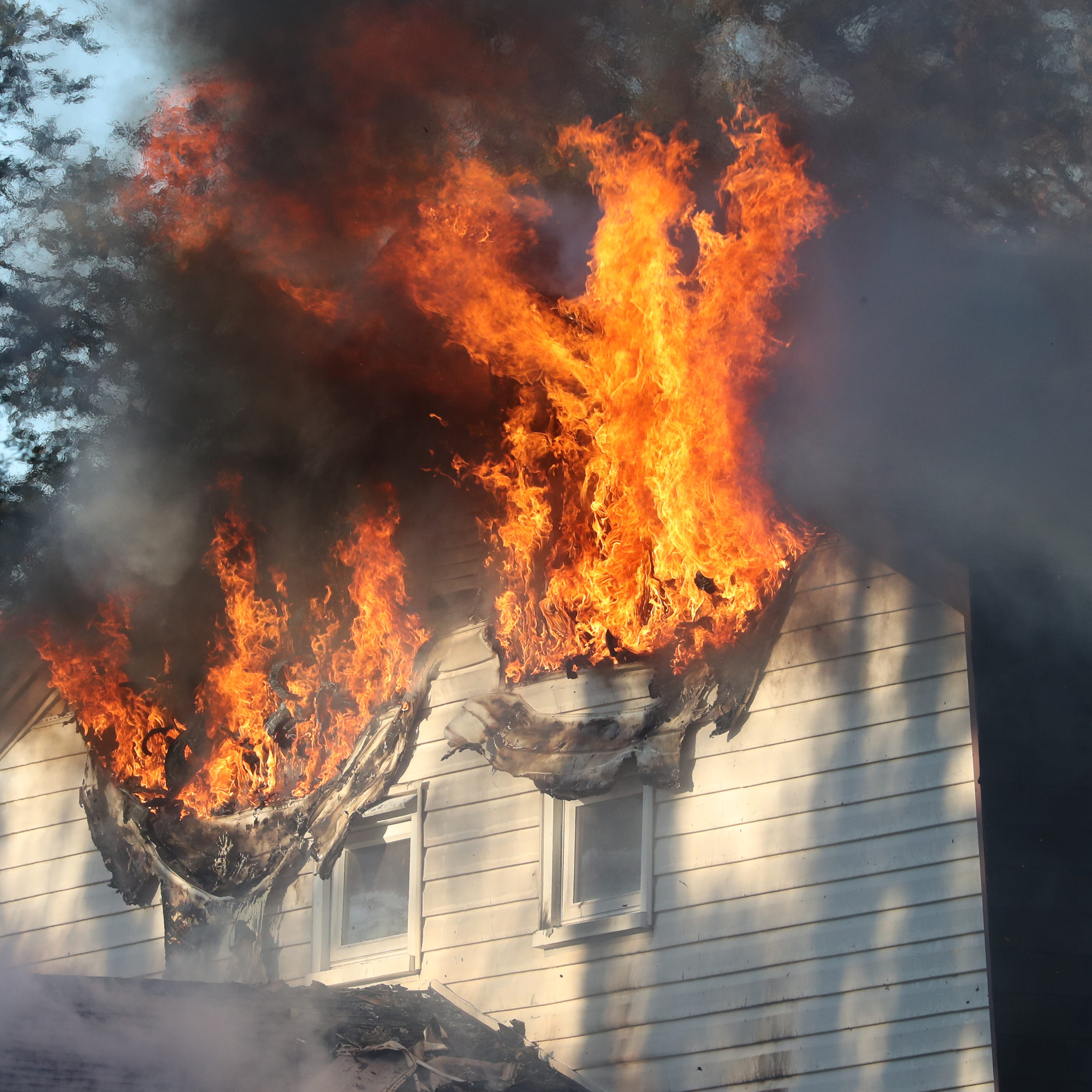 Firefighters battle blaze in Blauvelt