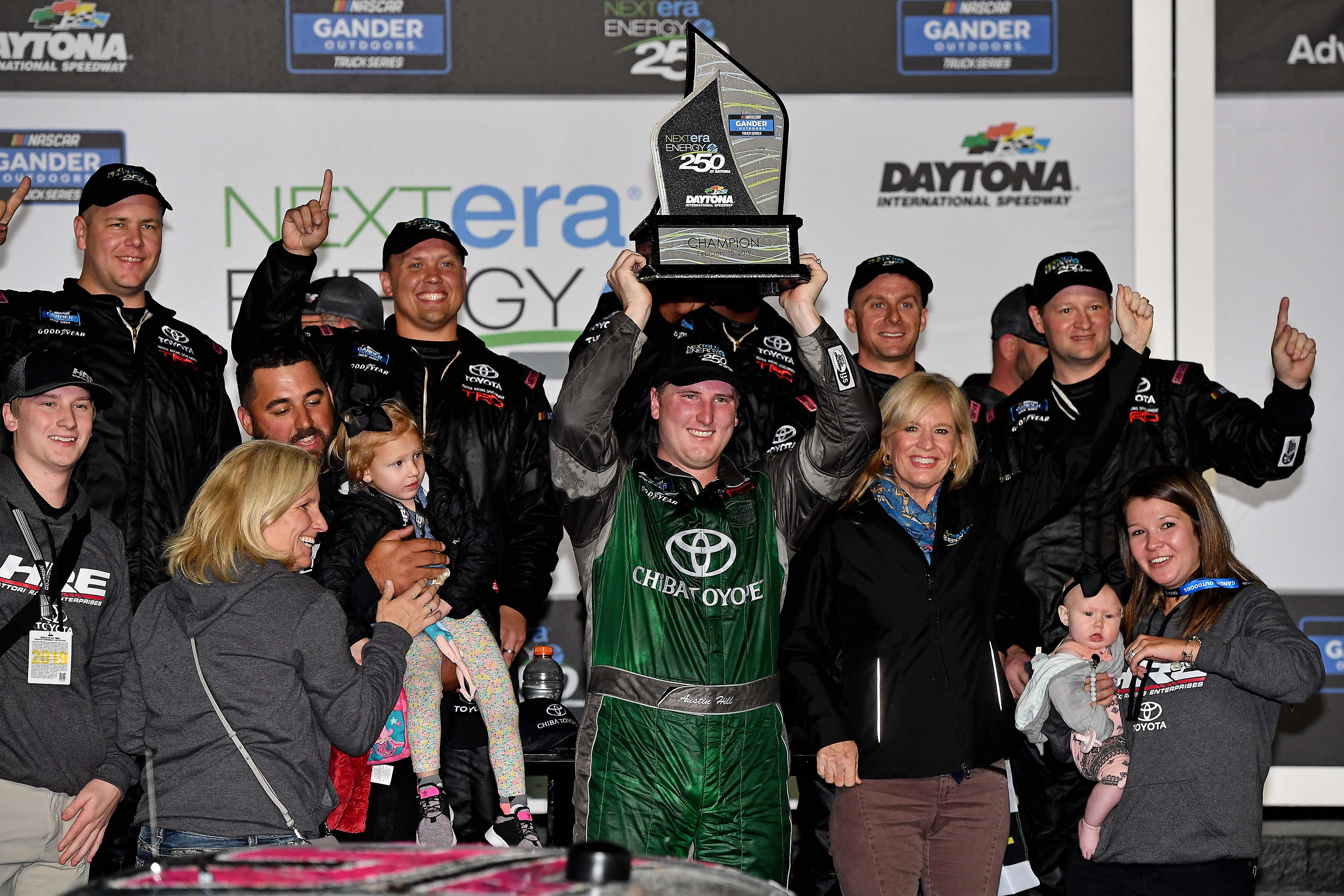 Austin Hill earns first career Truck Series victory in wild Daytona opener