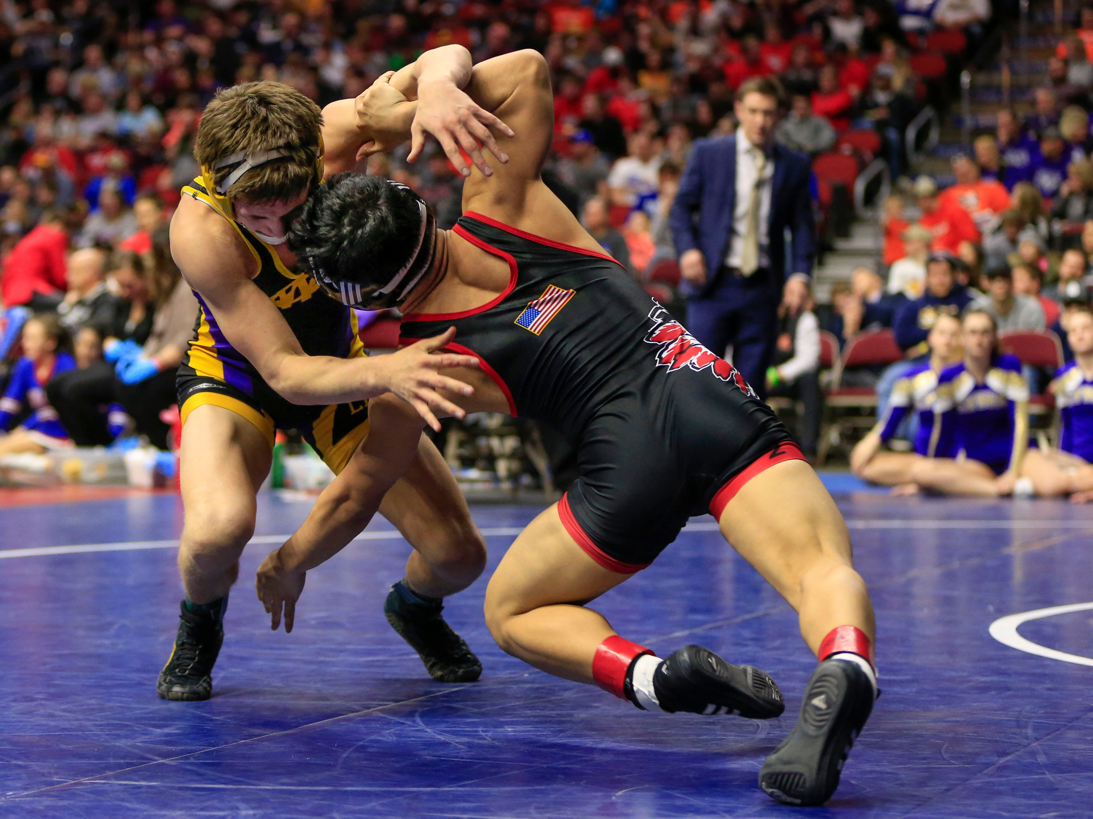 Drake Doolittle (Webster City) beats Nathaniel Genobana of Centerville for the 2A state championship at 120 Saturday, Feb. 16, 2019.