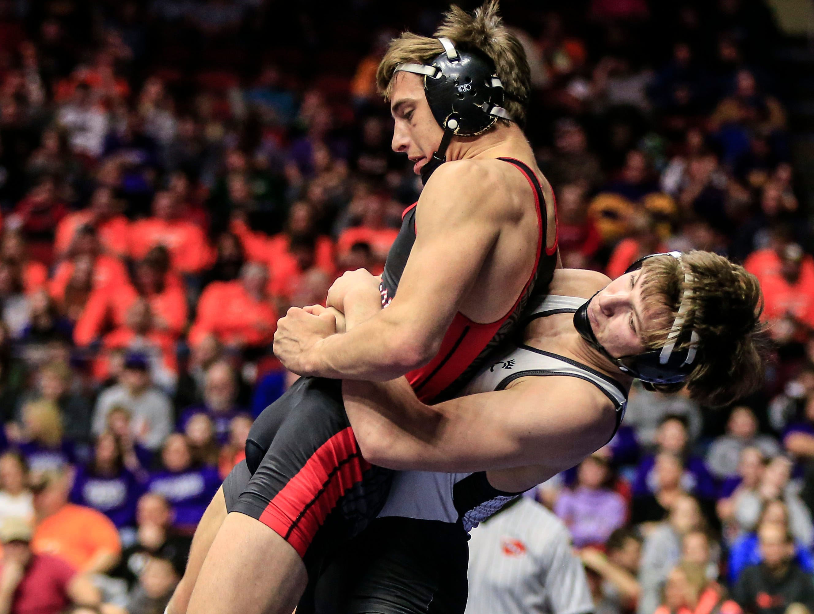 Kyler Rieck of Spirit Lake Park beats Adam Ahrendsen of Union for the 2A wrestling state championship at 152 pounds Saturday, Feb. 16, 2019.