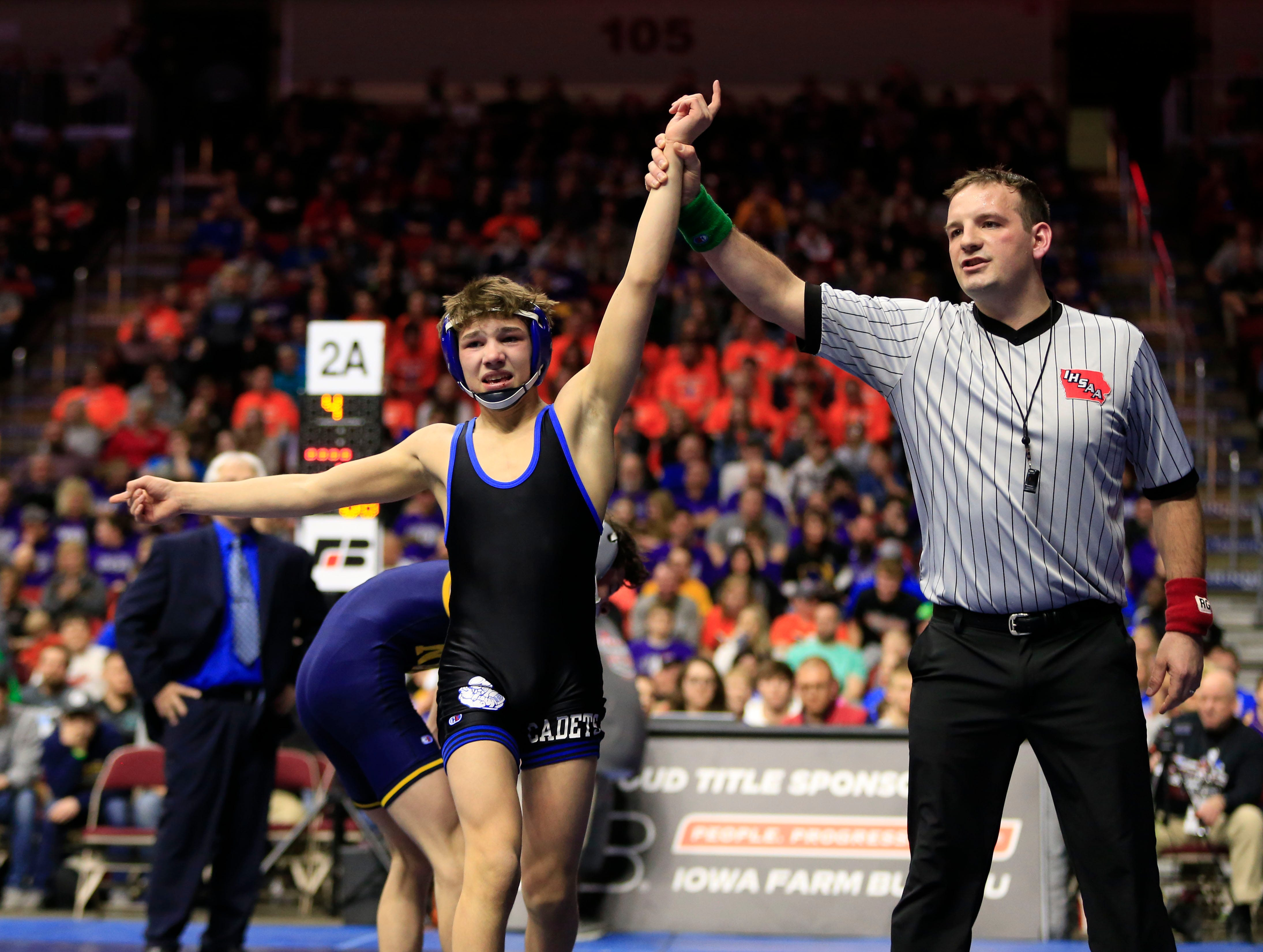 Carter Fousek of Crestwood, Cresco beats Blaine Frazier of Notre Dame, Burlington for the 2A state championship at 106 pounds Saturday, Feb. 16, 2019.