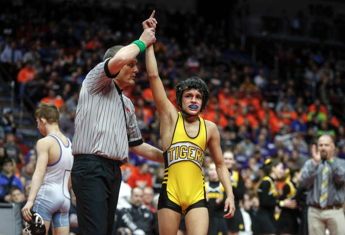 New London freshman Marcel Lopez beat Underwood's Stevie Barnes in their match at 106 pounds during the state wrestling Class 1A championship on Saturday, Feb. 16, 2019, at Wells Fargo Arena in Des Moines.