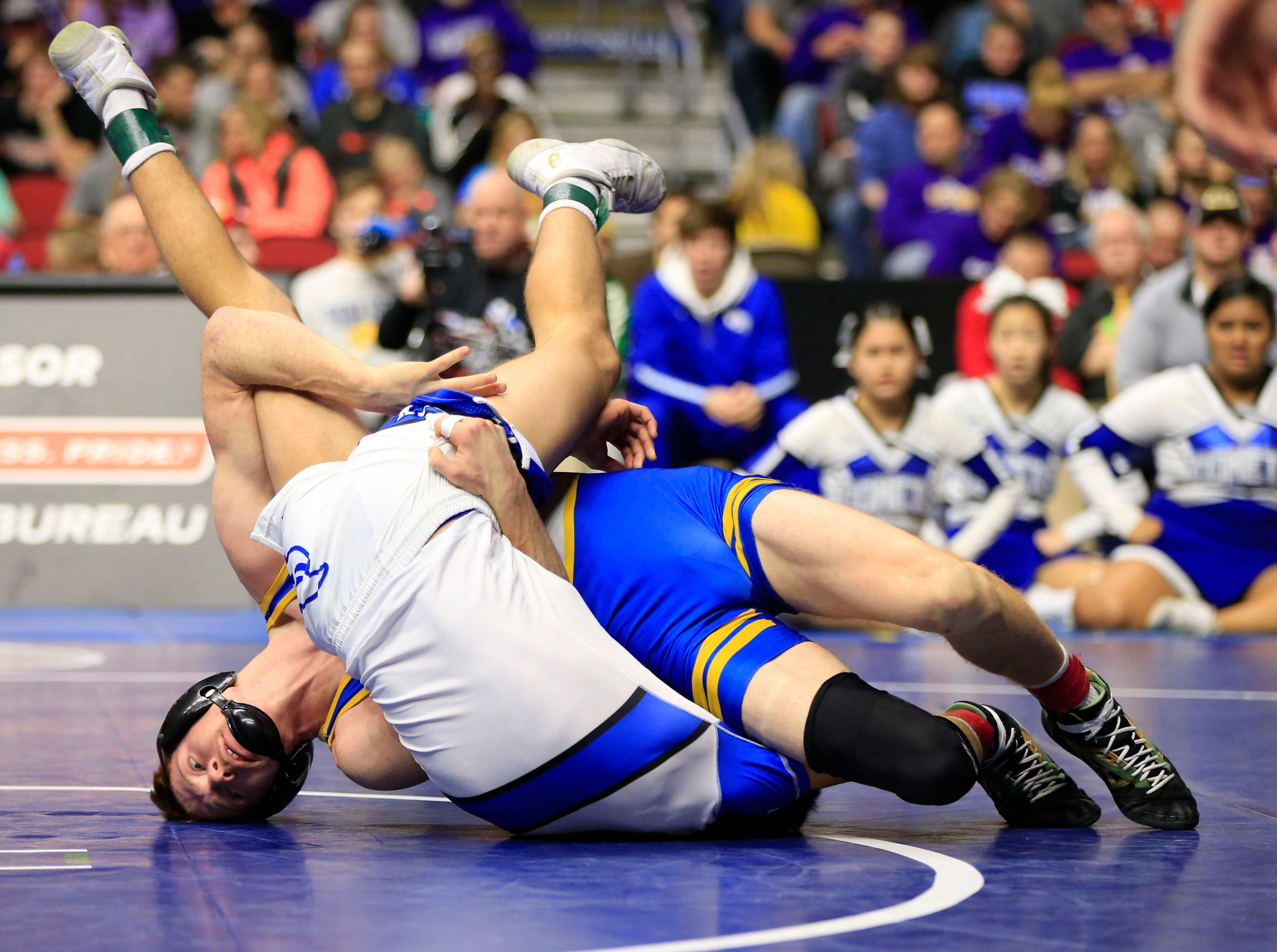 Joey Busse (Humboldt) beats Will Esmoil of West Liberty for the 2A wrestling state championship at 145 pounds Saturday, Feb. 16, 2019.