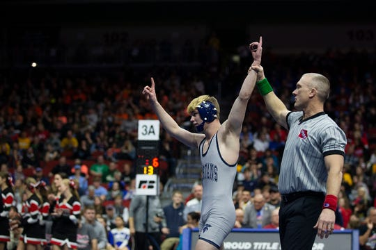 Pleasant Valley's Eli Loyd won the 138-pound Class 3A championship last season.