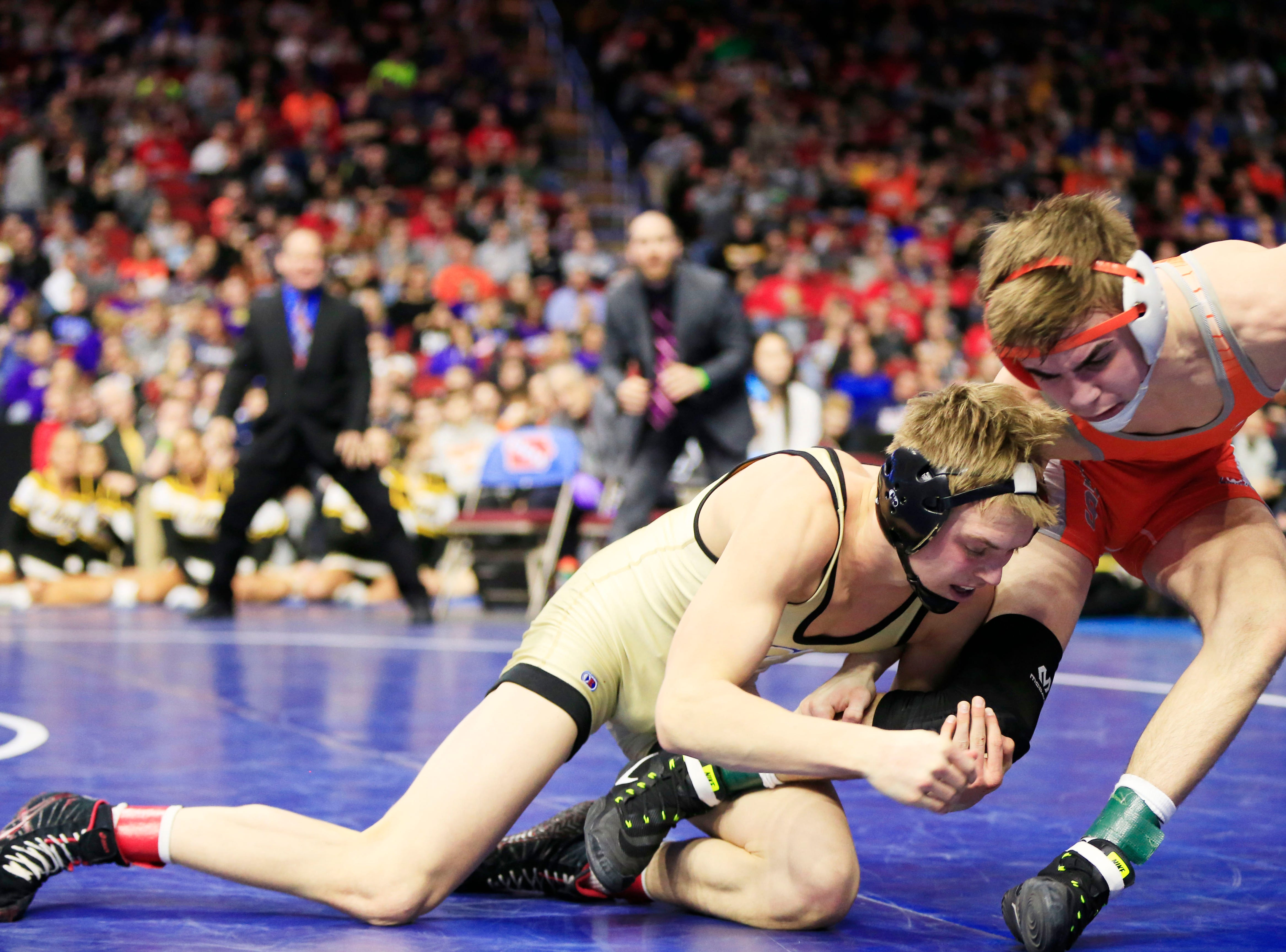Eric Faught of Clear Lake beats Jack Gaukel of Sergeant Bluff-Luton for the 2A state championship at 132 pounds Saturday, Feb. 16, 2019.