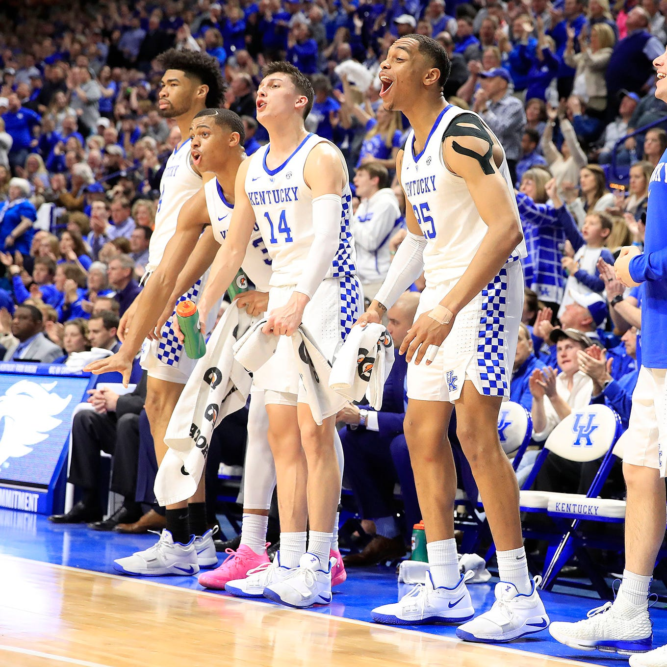 Saturday's Top 25: No. 5 Kentucky upsets No. 1 Tennessee