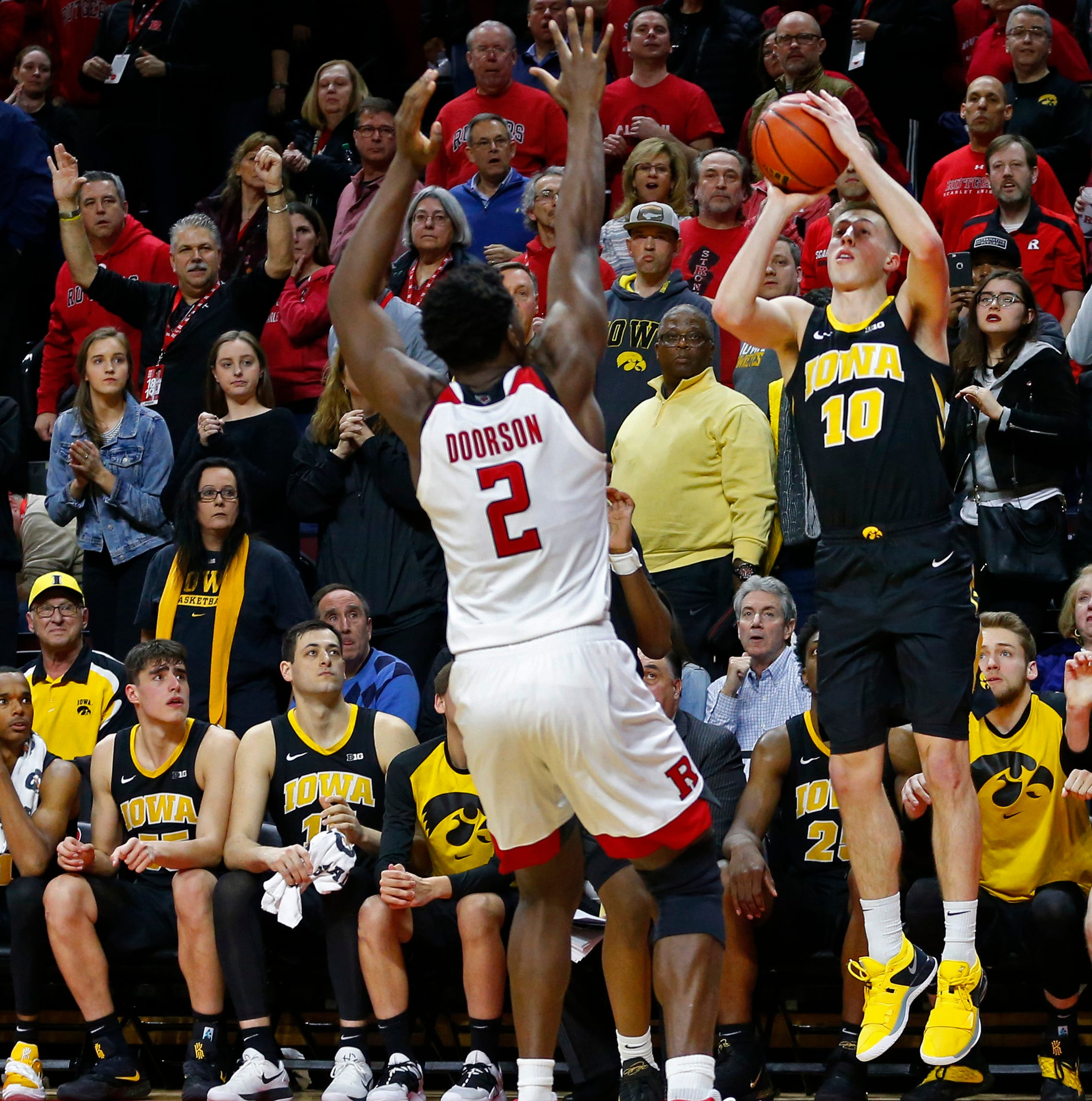 Joe Wieskamp saved the Hawkeyes with his crazy buzzer-beater — and the internet loved it