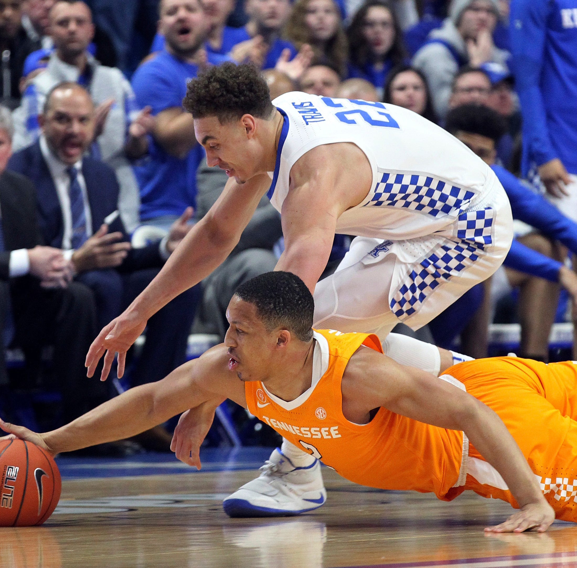 No. 1 UT Vols basketball crushed by No. 5 Kentucky to end 19-game winning streak