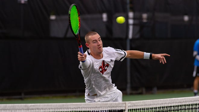 Jamie Fraser leads the Cajuns in singles.