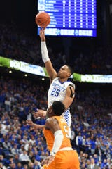 UK F PJ Washington shoots during the University of Kentucky mens basketball game against Tennessee.