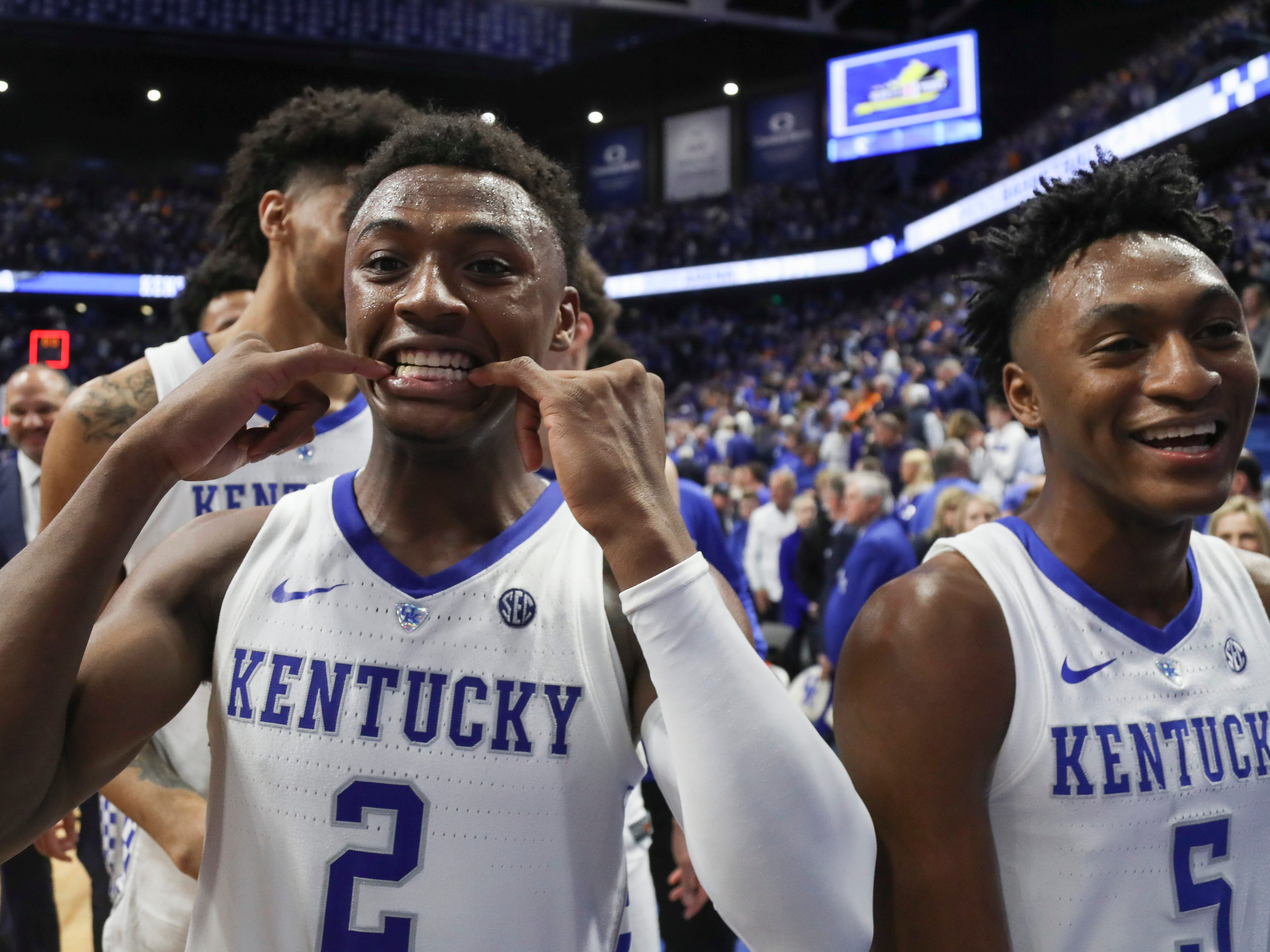Kentucky players celebrate after the Wildcats' 86-69 win over No.1-ranked Tennessee Saturday night. Feb. 16, 2019