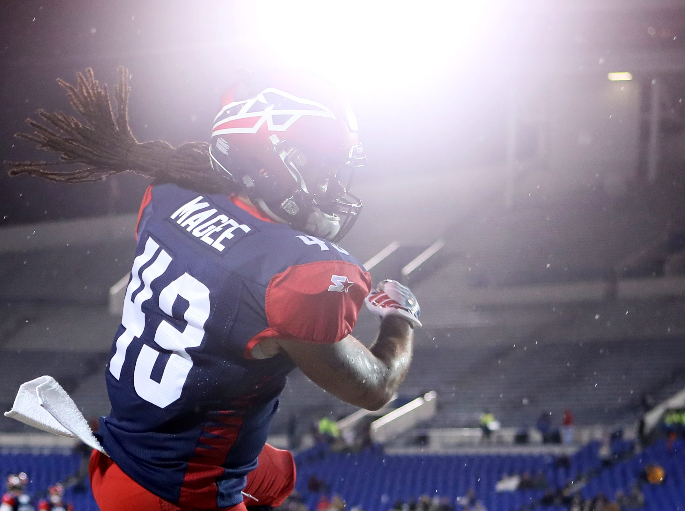Memphis Express running back Terrence Magee warms up before their game against the Arizona Hotshots at the Liberty Bowl on Saturday, Feb. 16, 2019.
