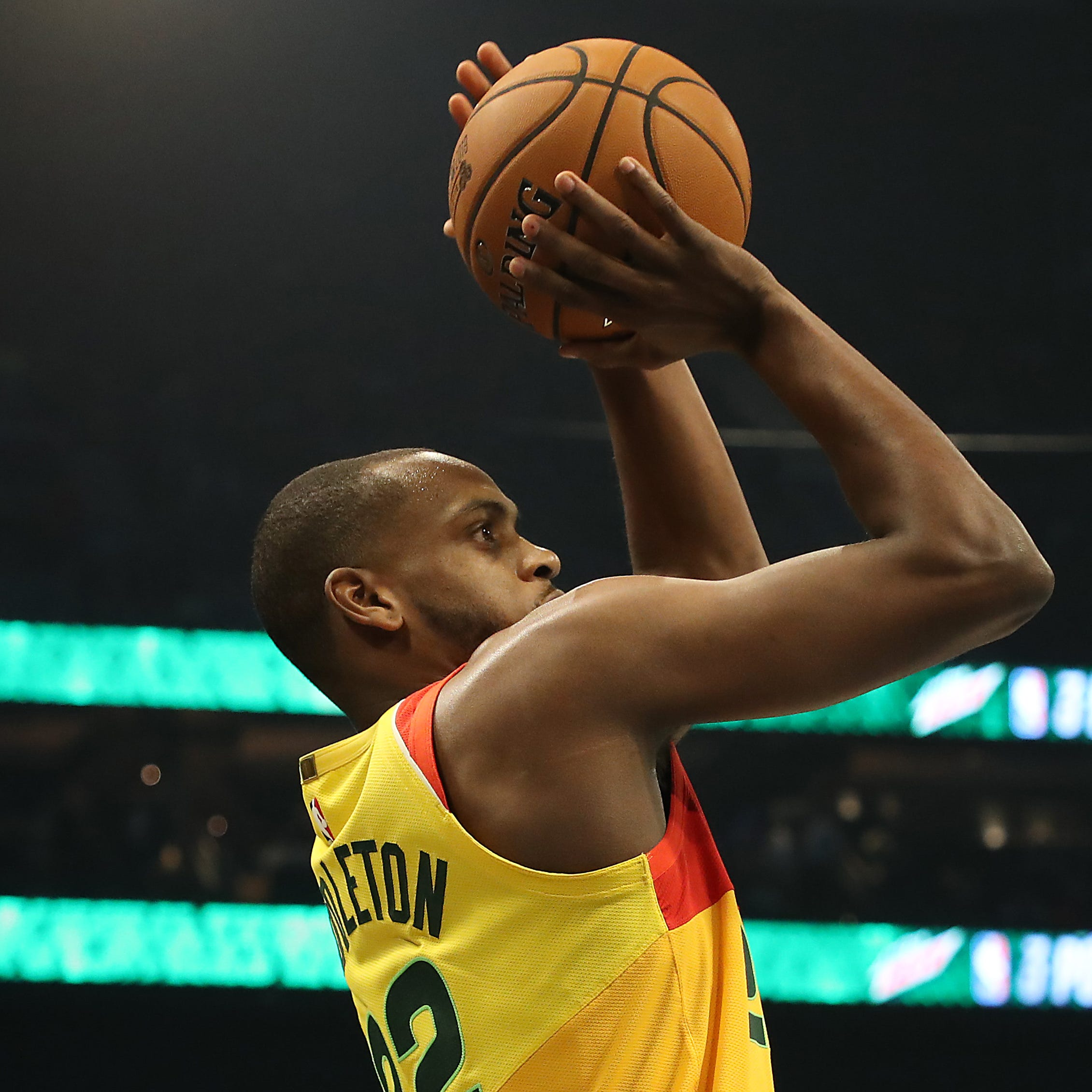 Khris Middleton struggles in three-point contest; Giannis plans to play for Greece this summer