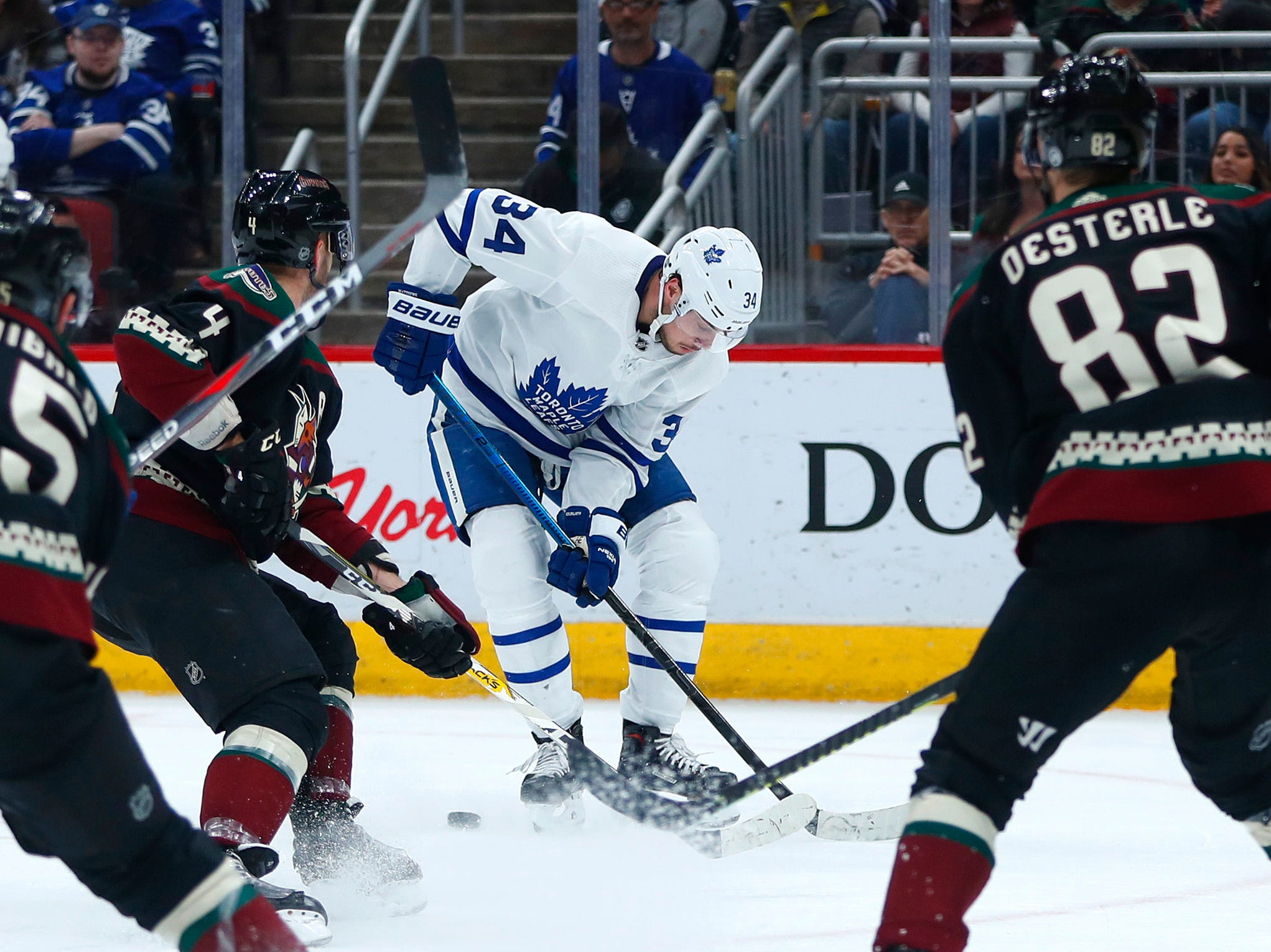 Maple Leafs' Auston Matthews (34) skates up the ice against the Coyotes during the first period at Gila River Arena in Glendale, Ariz. on February 16, 2019.