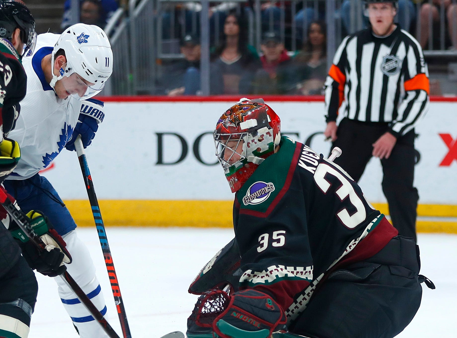 Maple Leafs' John Tavares shoots against Coyotes' goalie Darcy Kuemper (35) during the first period at Gila River Arena in Glendale, Ariz. on February 16, 2019.