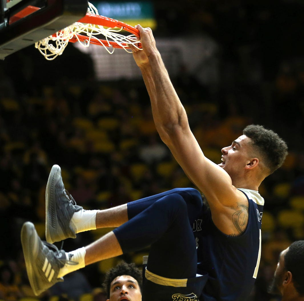 Highlight heaven: Wolf Pack dunks its way past Wyoming, 82-49