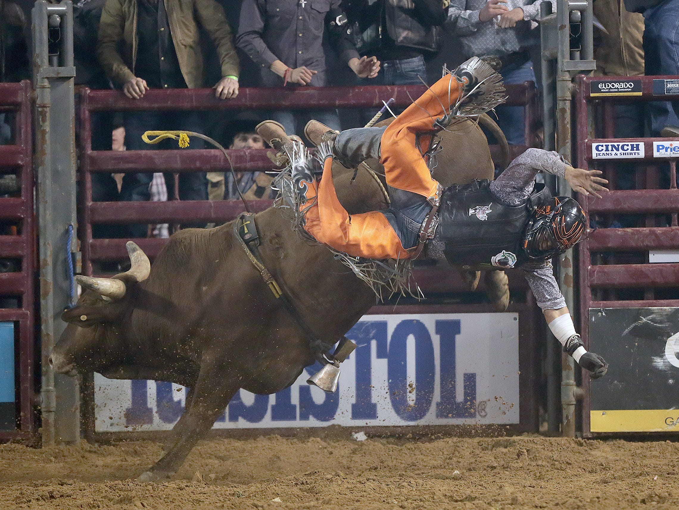 The Tuff Hedeman Tour stopped in El Paso to the delight of the sold out crowd on hand at the El Paso County Coliseum Saturday night. Cody Rostockyj of Lorena, TX won the event and a $20,000 paycheck. Twenty five riders in total went for the pay day Saturday.