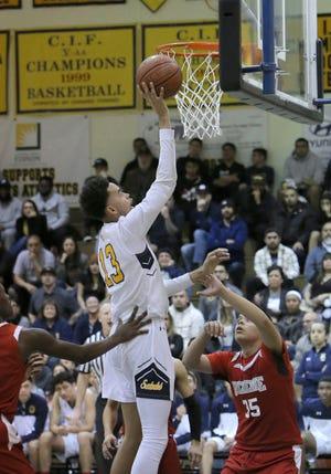 Nick Abbott scored 25 points in Santa Clara's first-round state victory.