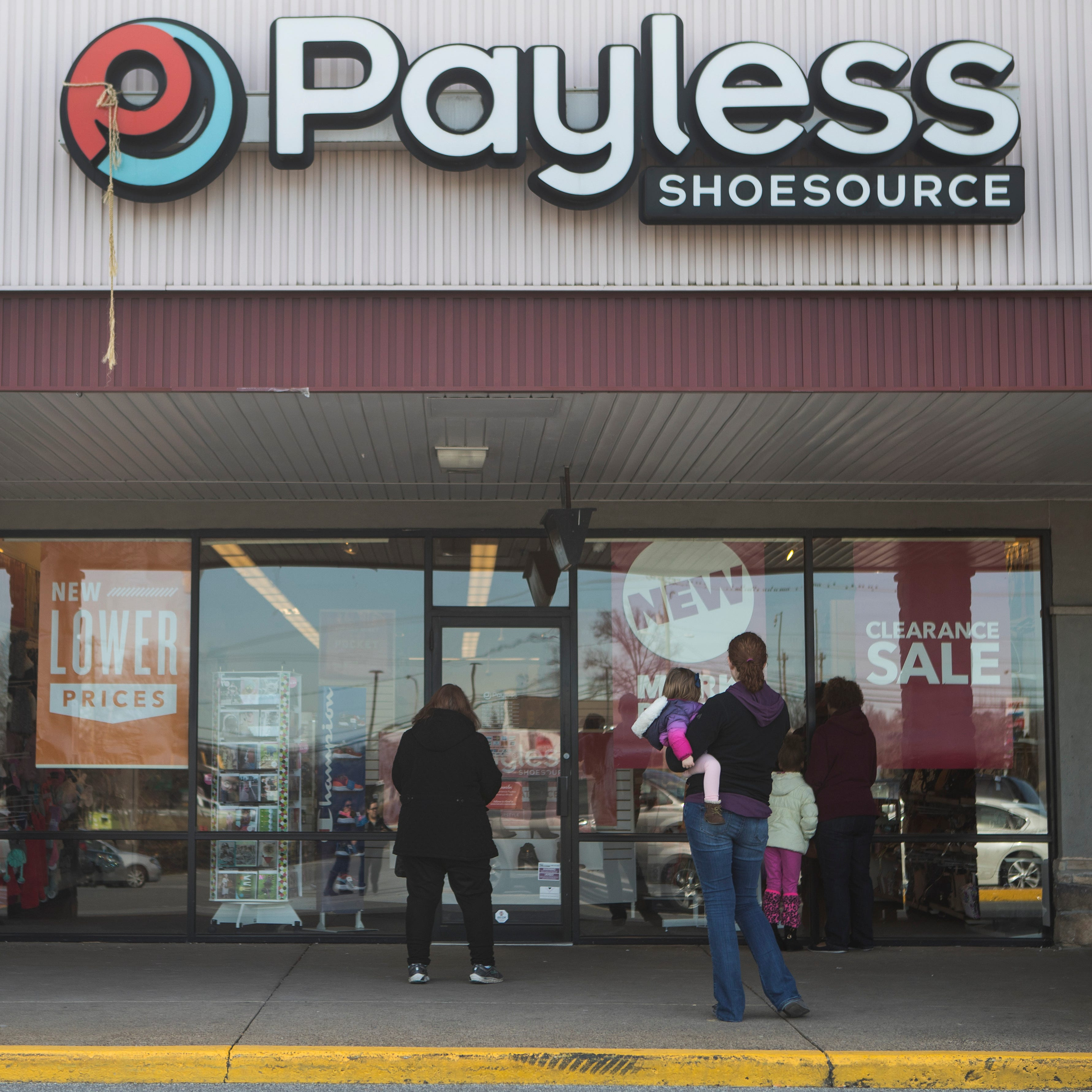 Shoppers head to Delaware's Payless stores Sunday for start of liquidation sales