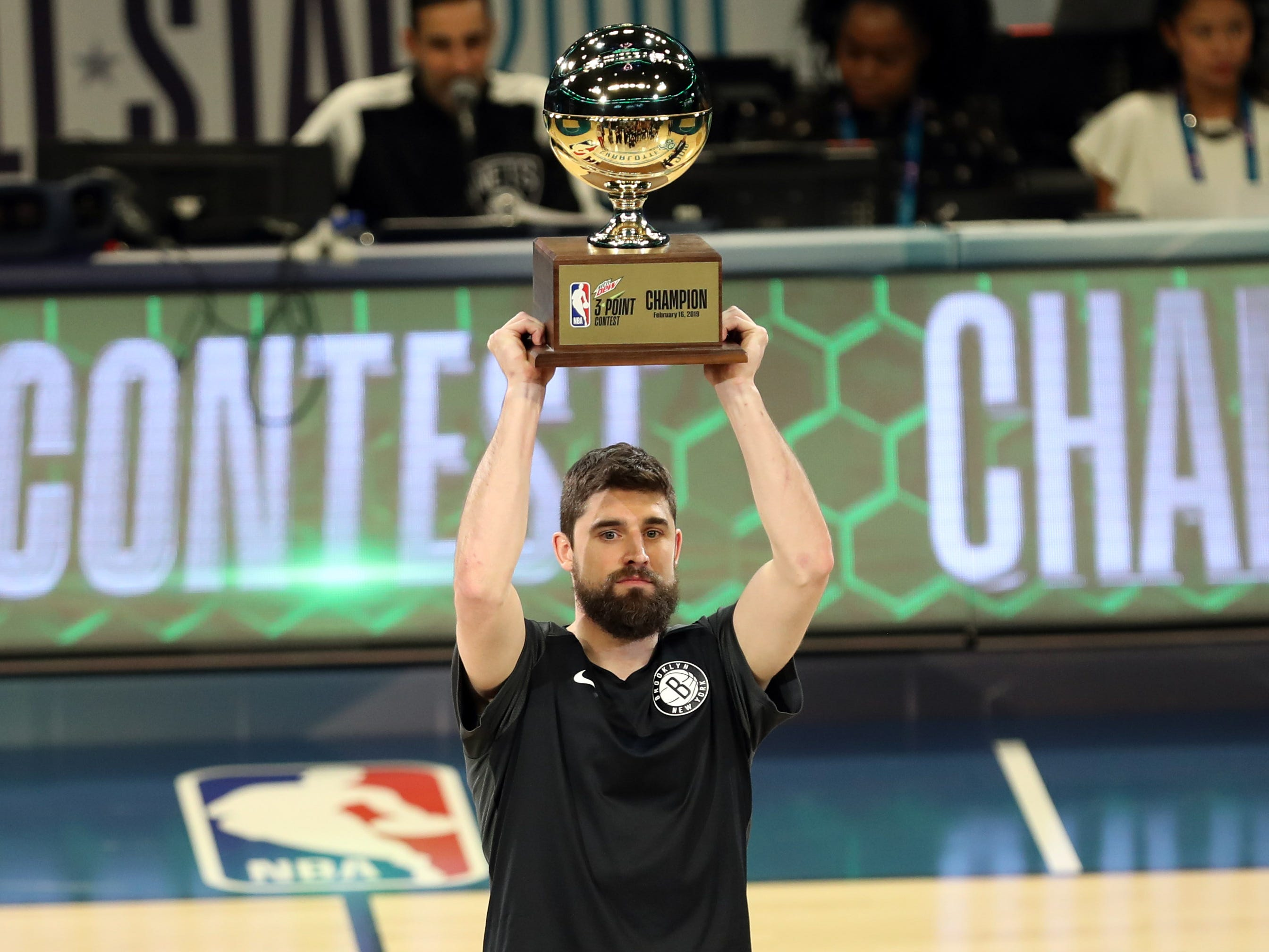 Joe Harris celebrates after winning the 3-Point Contest.