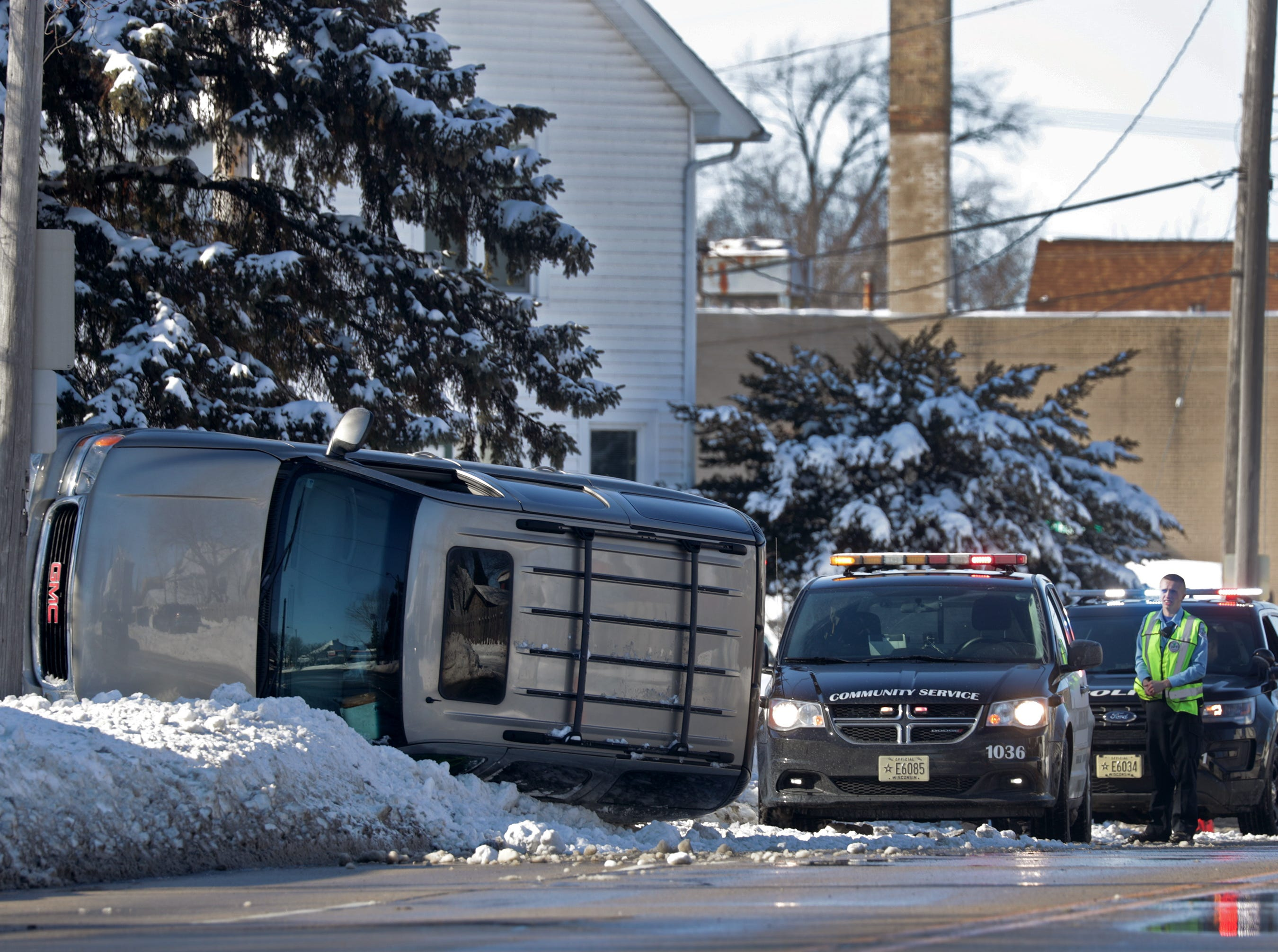 A single vehicle a crash on S. Badger St. on Wednesday, February 13, 2019, in Appleton, Wis. Wm. Glasheen/USA TODAY NETWORK-Wisconsin.