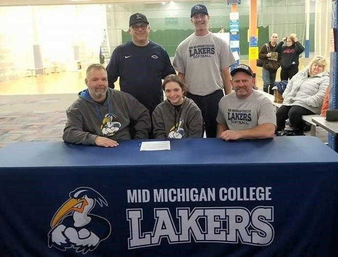 Lakeview's Jordan Uptgraft signed to play softball at Mid-Michigan College, a community college program.