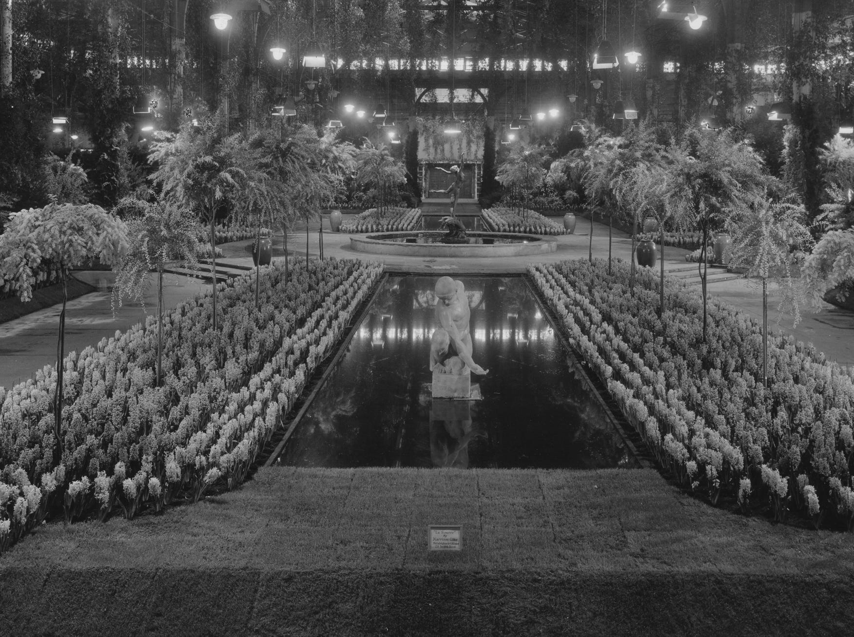 The central exhibit was a water feature at the 1935 Philadelphia Flower Show.