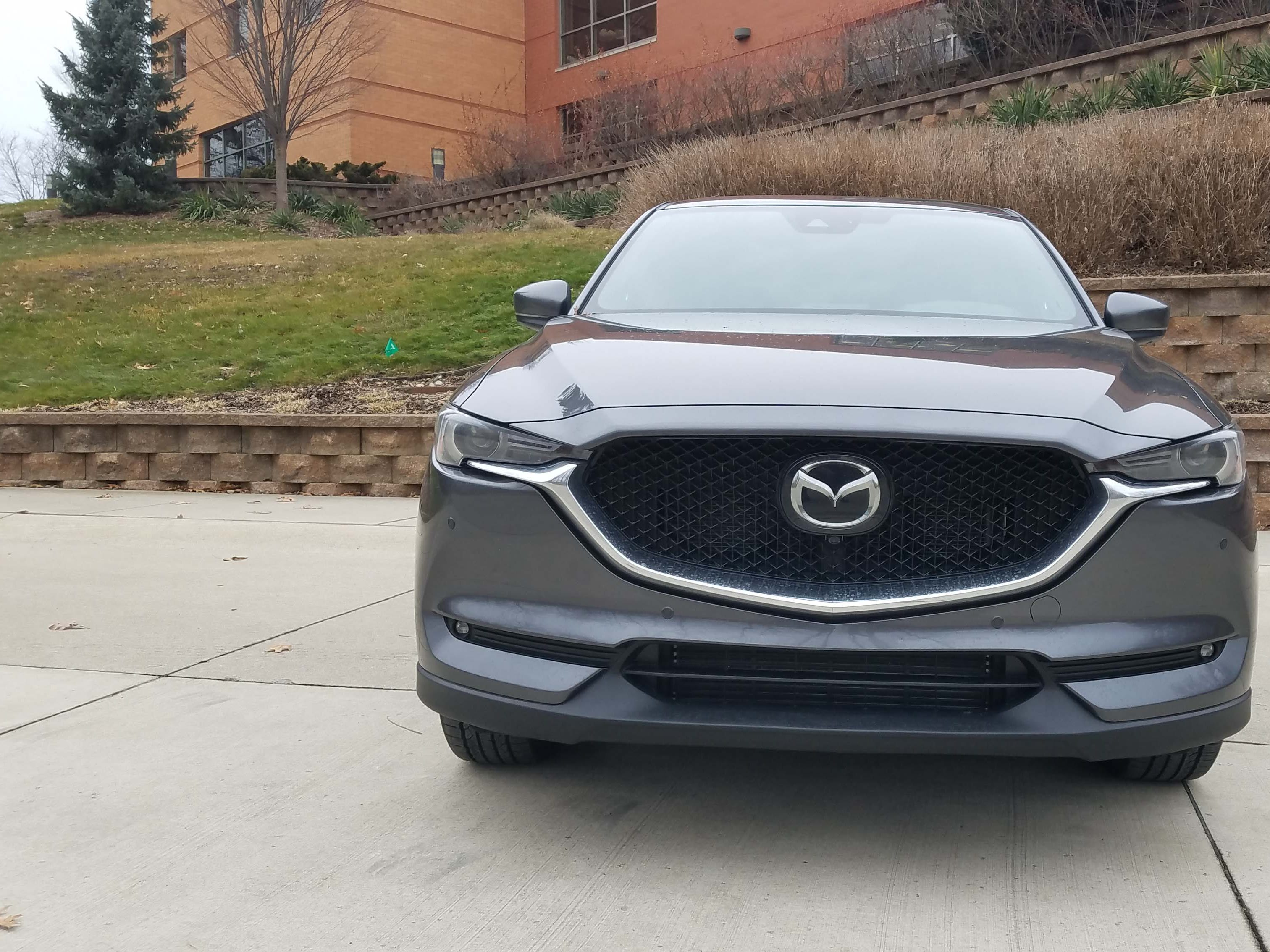 Hello. The Mazda CX-5's face is one of the most pleasant in autodom.
