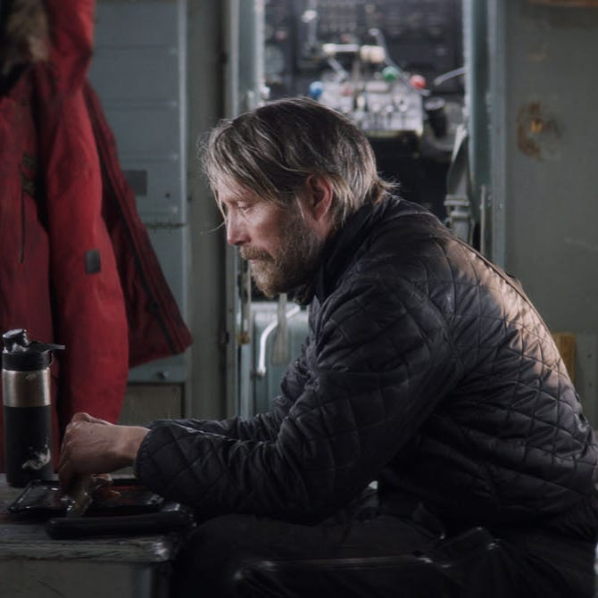 Review: Survival tale 'Arctic' chills to bone