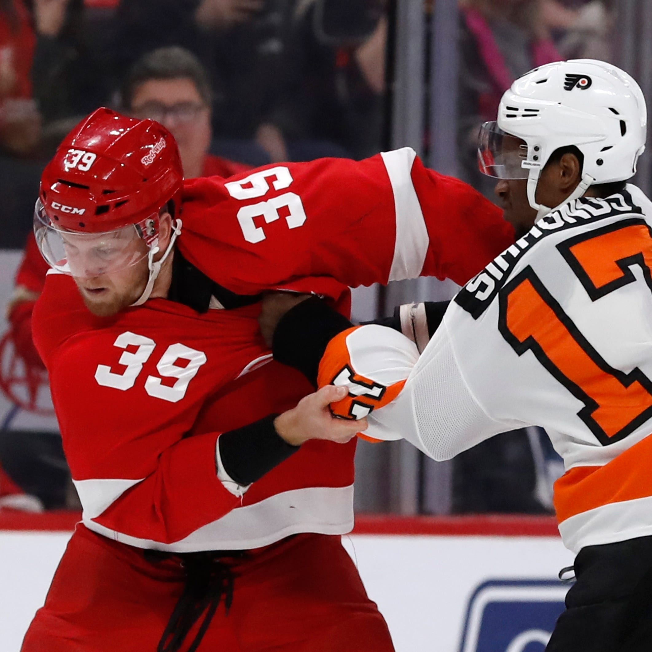 Red Wings have no answer for goalie Hart as Flyers win