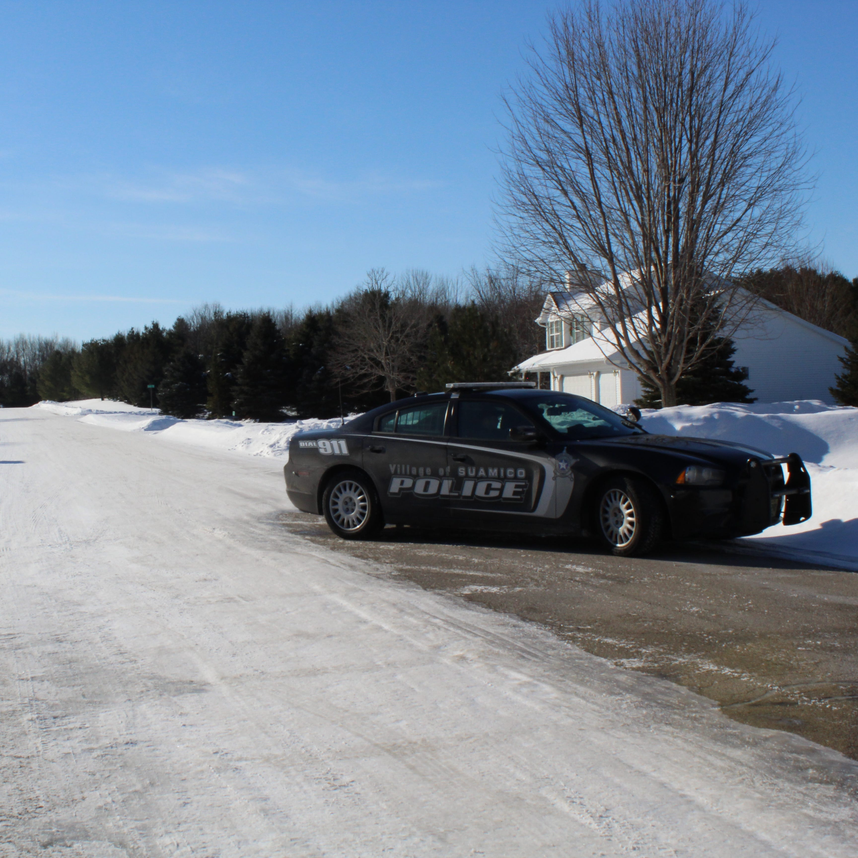 Brown County sheriff: Man shoots his child's mother, turns gun on himself in Suamico