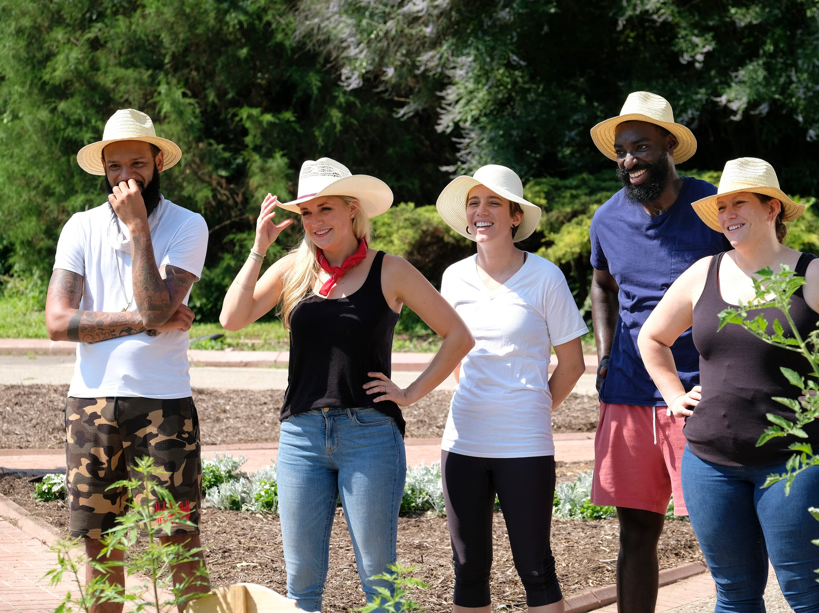 "(From left to right): Contestants Justin Sutherland, Kelsey Barnard, Adrienne Wright, Eric Adjepong and Sara Bradley on ""Kentucky Farewell,"" episode 12 of Bravo's 'Top Chef:' Kentucky season."