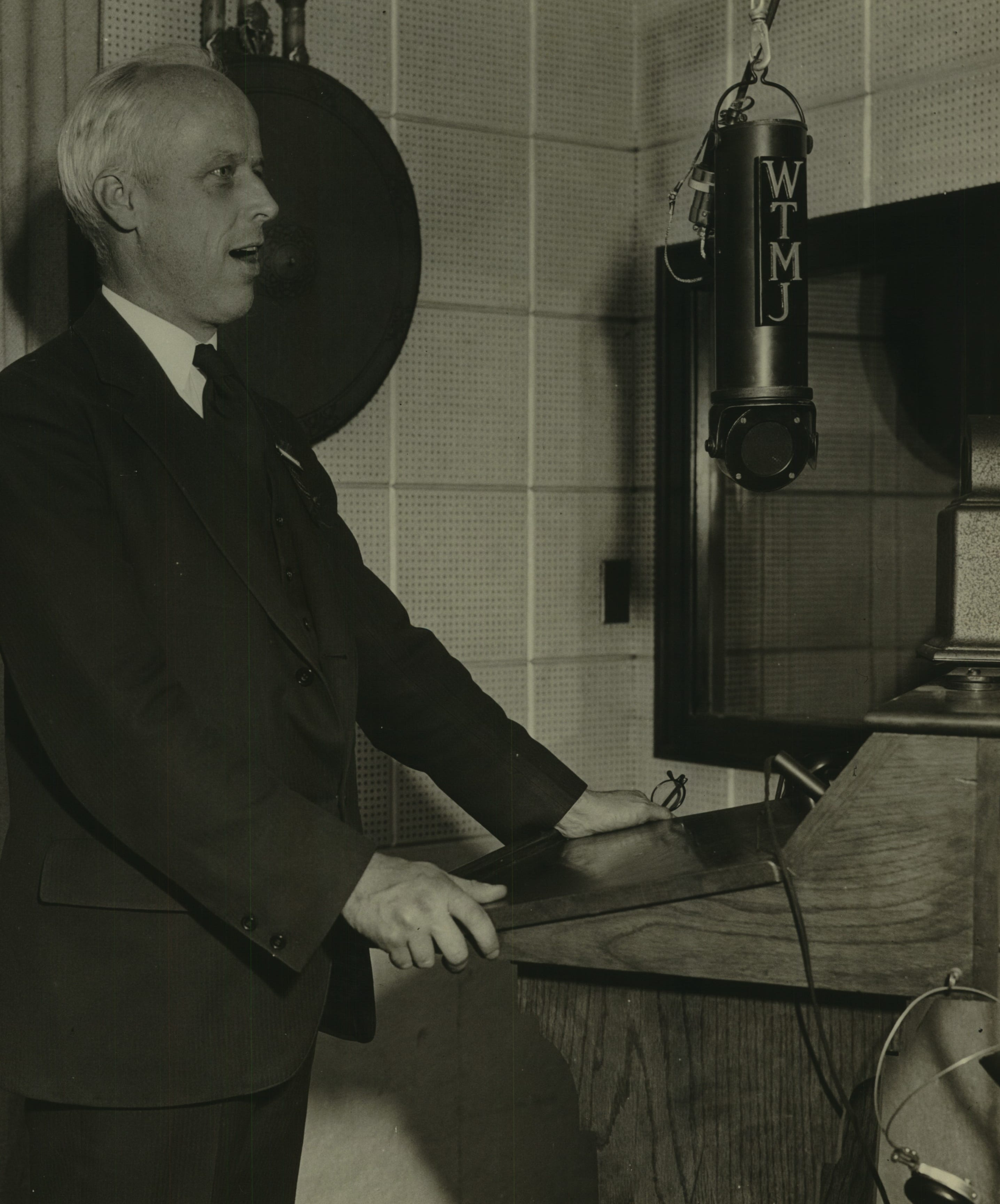 Socialist Party presidential candidate Norman Thomas addresses the radio audience over WTMJ on May 22, 1932.
