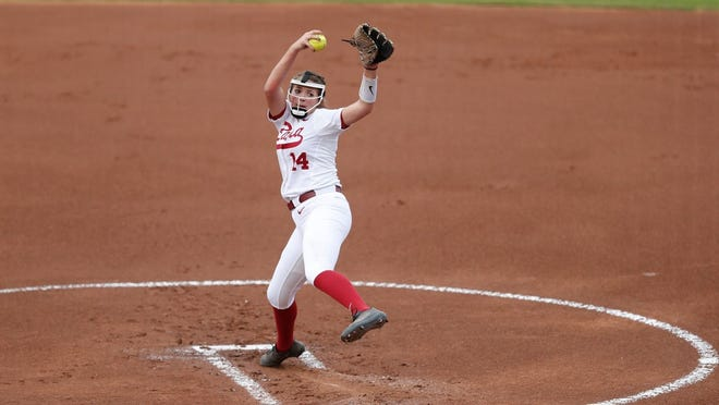 Alabama freshman Montana Fouts (14) pitches during a recent game. (Courtesy of Alabama athletics)