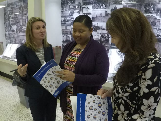 US Census Bureau Partnership Specialists Crystal Boyett  and Naadzama O Ashby discuss the upcoming census with Gallatin Mayor Paige Brown.