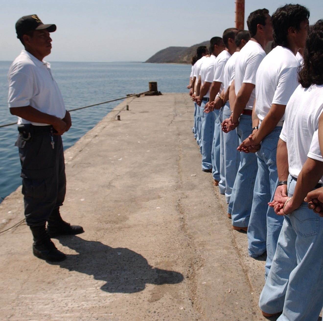 México anuncia que cerrará colonia penitenciaria en isla