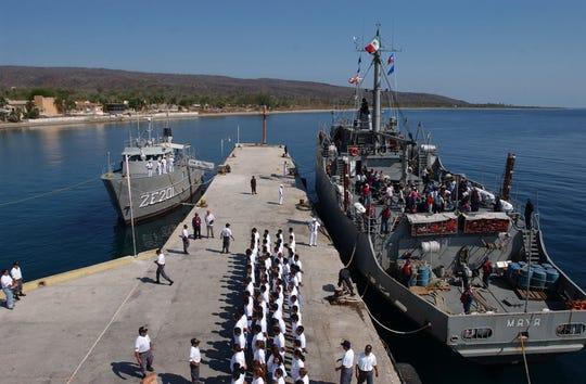 Las Islas Marías se ubican a unas 90 millas al sur de Mazatlán, Sinaloa.