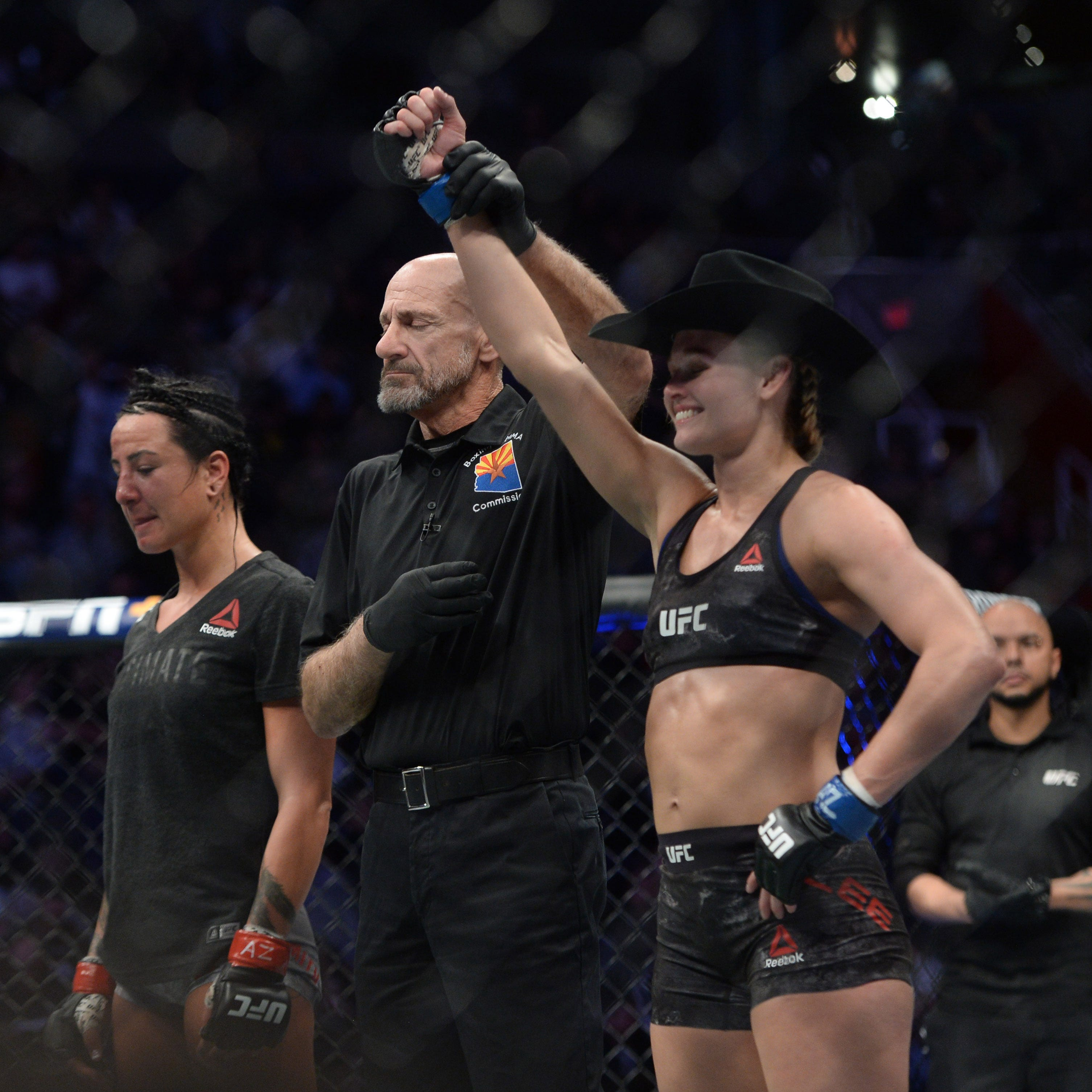 Shreveport's Andrea Lee pummels opponent, still undefeated in UFC