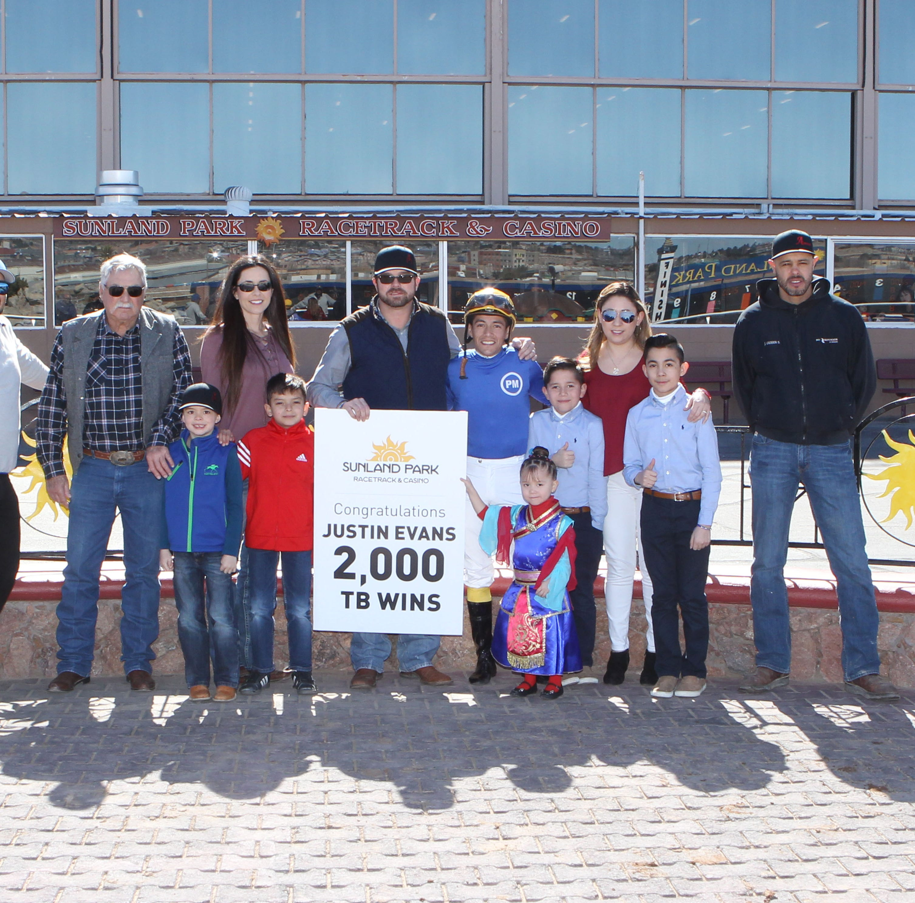 Horse trainer Justin Evans wins 2,000th career race at Sunland Park Racetrack & Casino