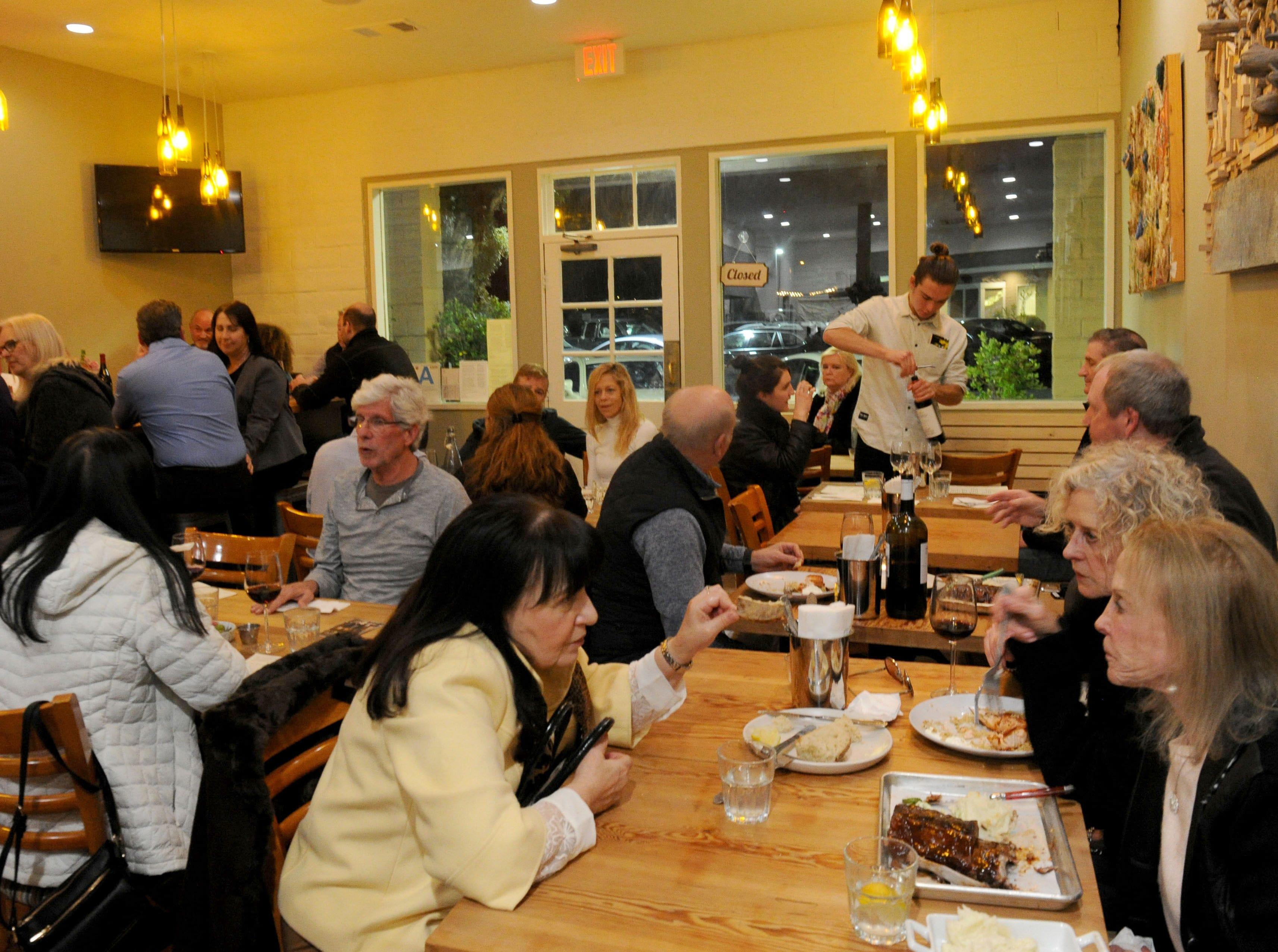 A packed house dines at Decker Kitchen in Westlake Village.