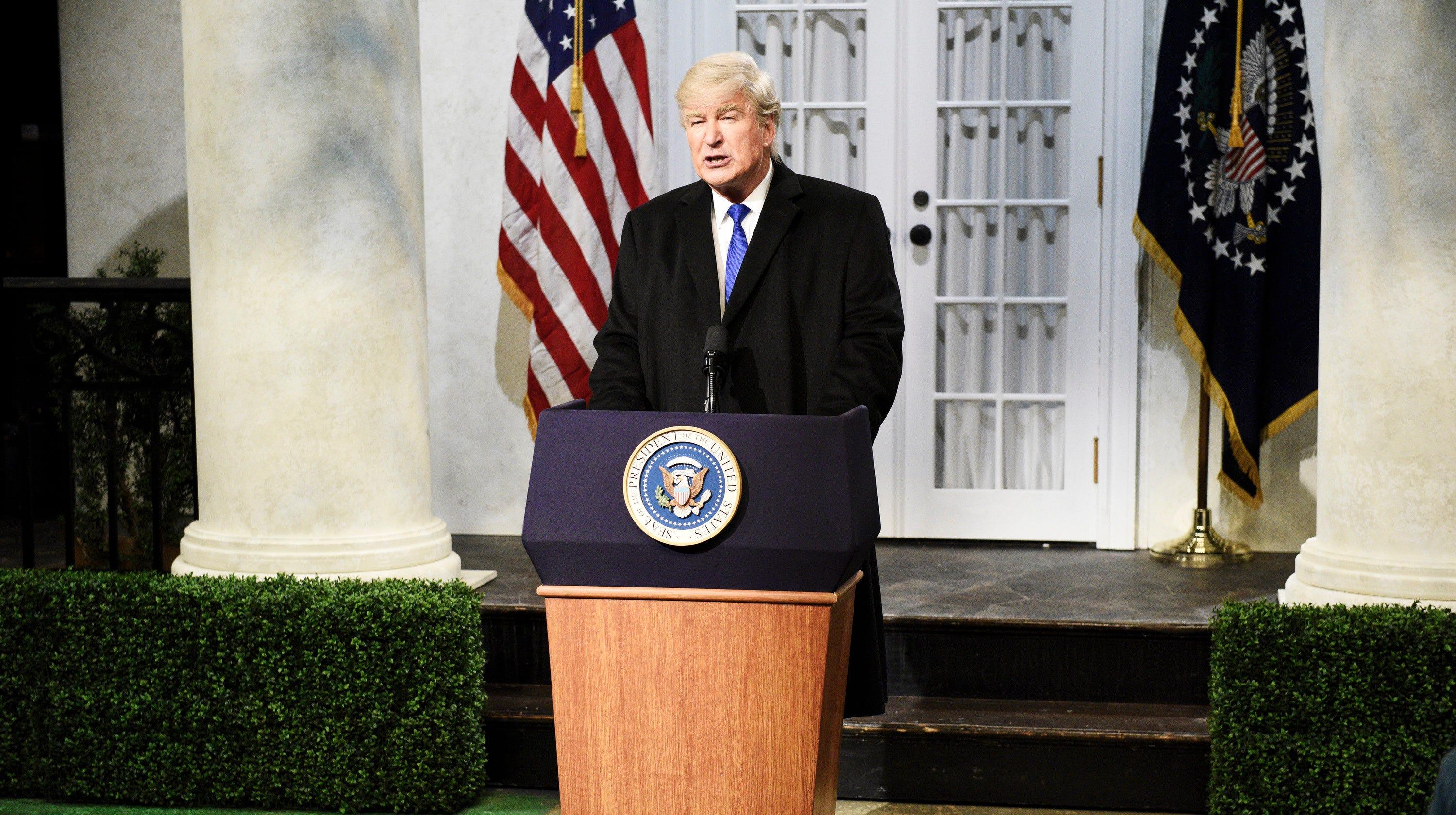 Alec Baldwin, Donald Trump Jr. exchange Twitter jabs over 'Saturday Night Live' skit - USA TODAY