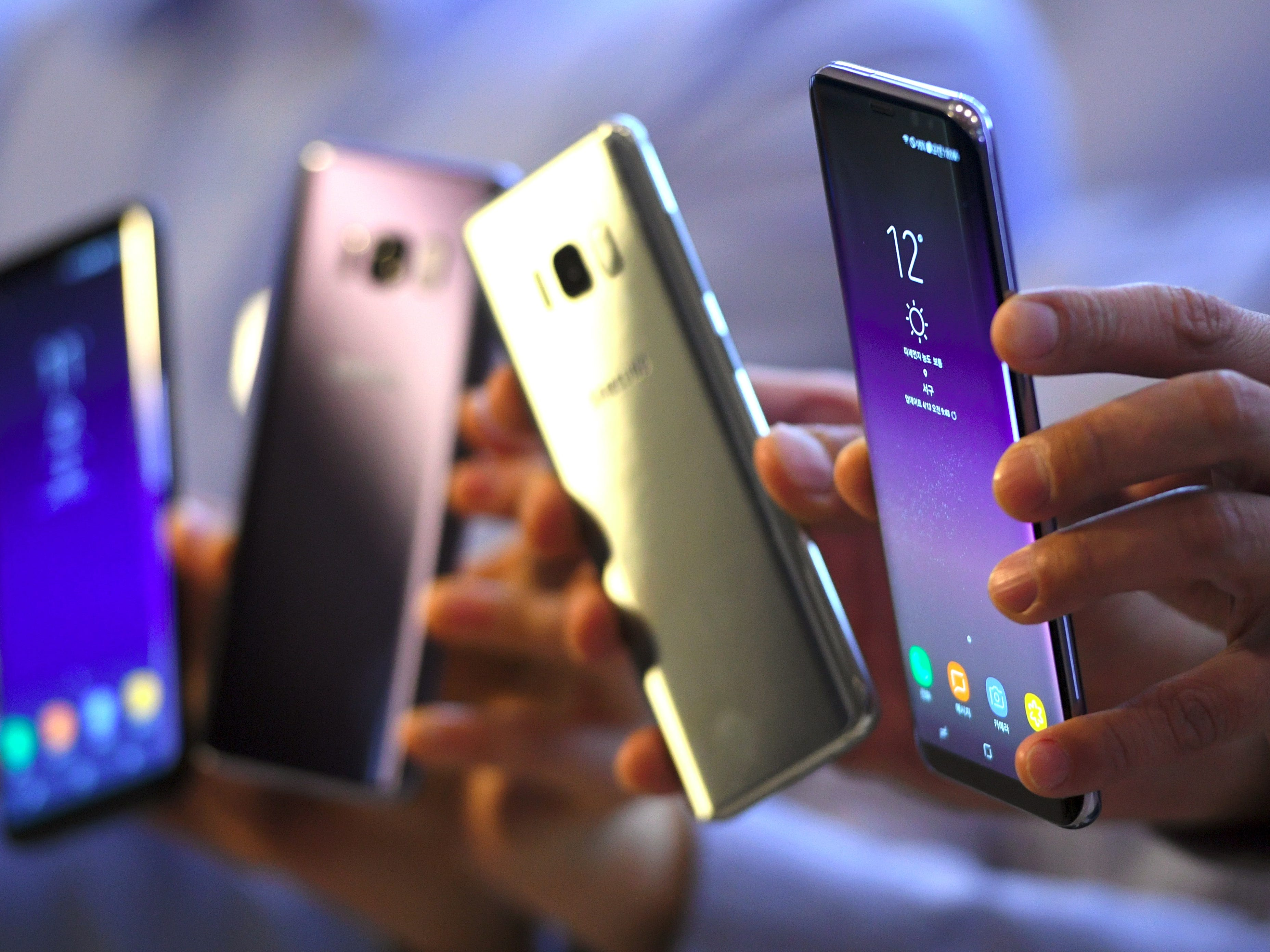 Samsung Galaxy S8 smartphones during a showcase to mark the domestic launch of Samsung Electronics' latest flagship smartphone Galaxy S8 in Seoul April 13, 2017.