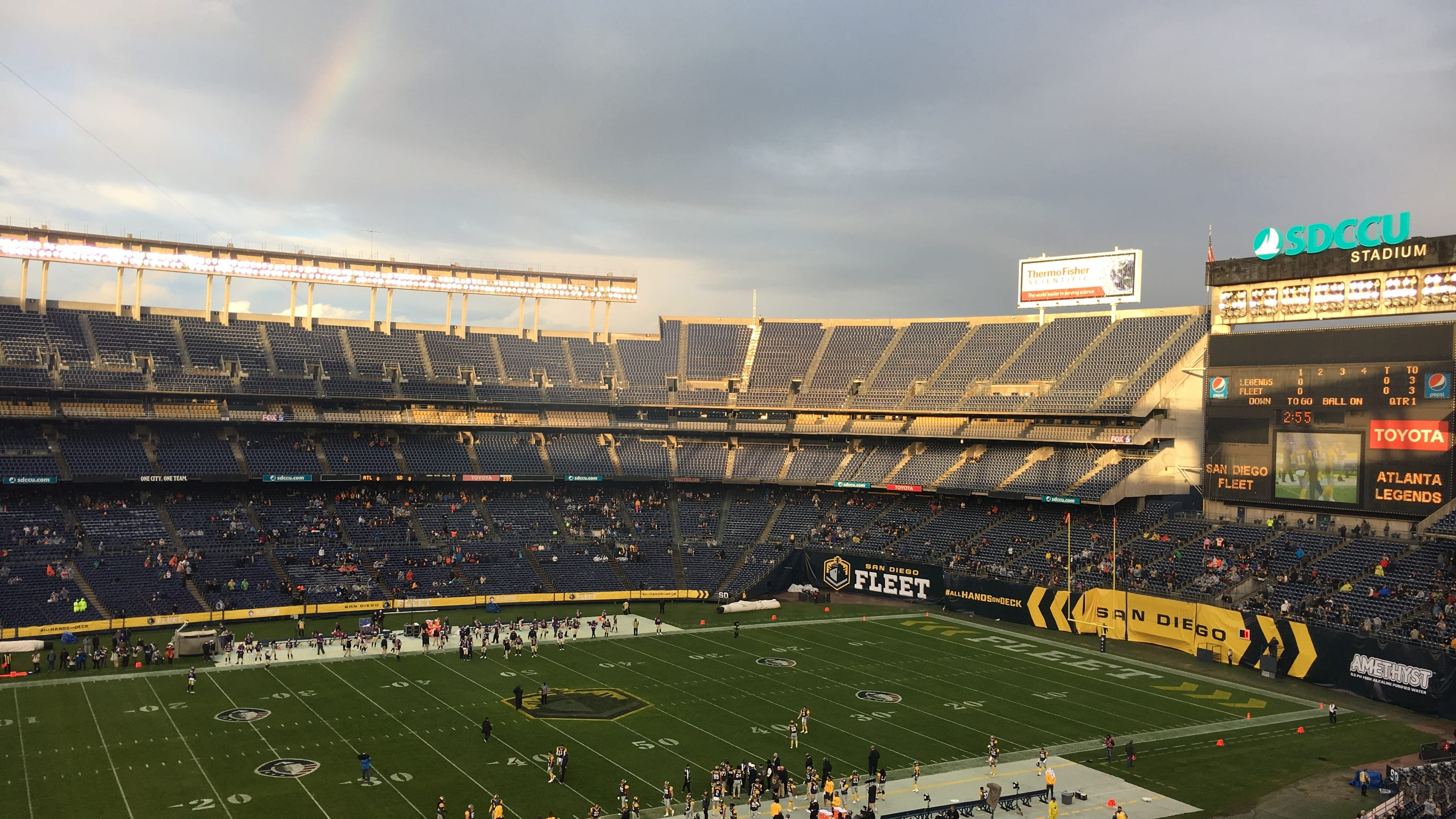6e3a2149b Pro football returns to San Diego  Here s what it s like at an AAF Fleet  game